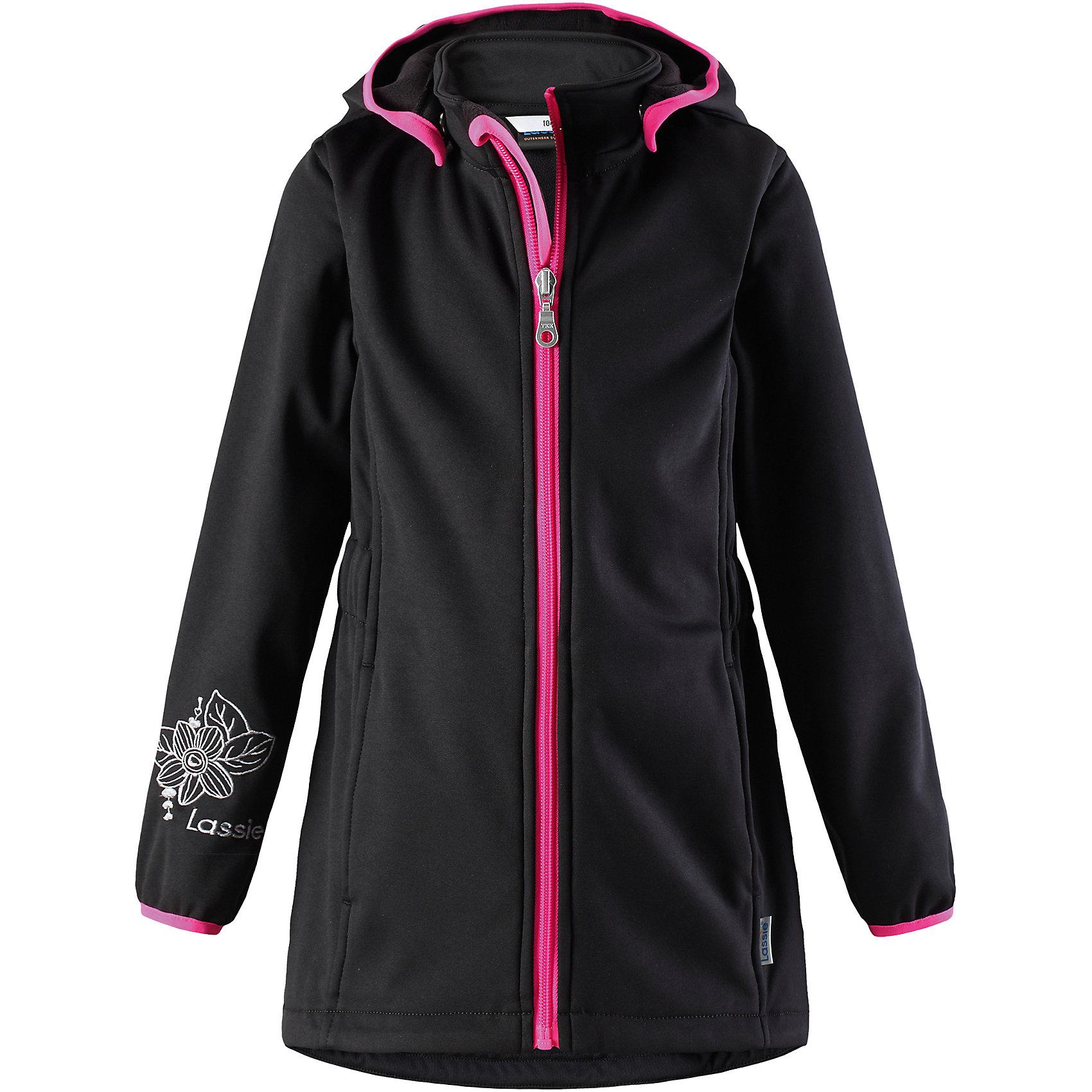 Куртка Lassie для девочкиОдежда<br>Характеристики товара:<br><br>• цвет: черный;<br>• состав: 100% полиэстер, полиуретановое покрытие;<br>• подкладка: 100% полиэстер, флис;<br>• без утеплителя;<br>• сезон: демисезон;<br>• температурный режим: от +5С;<br>• водонепроницаемость: 5000 мм;<br>• воздухопроницаемость: 5000 мм;<br>• застежка: молния с защитой подбородка;<br>• из ветронепроницаемого материала, но изделие дышит;<br>• подкладка из теплого флиса;<br>• безопасный съемный капюшон; <br>• эластичная талия и манжеты рукавов;<br>• эластичная резинка на кромке капюшона;<br>• карманы в боковых швах;<br>• светоотражающие детали;<br>• страна бренда: Финляндия;<br>• страна изготовитель: Китай;<br><br>Замечательная куртка для осенней поры! Верх из материала softshell не пропускает ветер, но при этом дышит, а флисовая изнаночная сторона отлично греет. Съемный капюшон безопасен во время игр на свежем воздухе. Два прорезных кармана надежно сохранят все маленькие сокровища.<br><br>Куртку Lassie (Ласси) для девочки можно купить в нашем интернет-магазине.<br><br>Ширина мм: 356<br>Глубина мм: 10<br>Высота мм: 245<br>Вес г: 519<br>Цвет: черный<br>Возраст от месяцев: 108<br>Возраст до месяцев: 120<br>Пол: Женский<br>Возраст: Детский<br>Размер: 140,104,110,116,122,128,134<br>SKU: 6927463