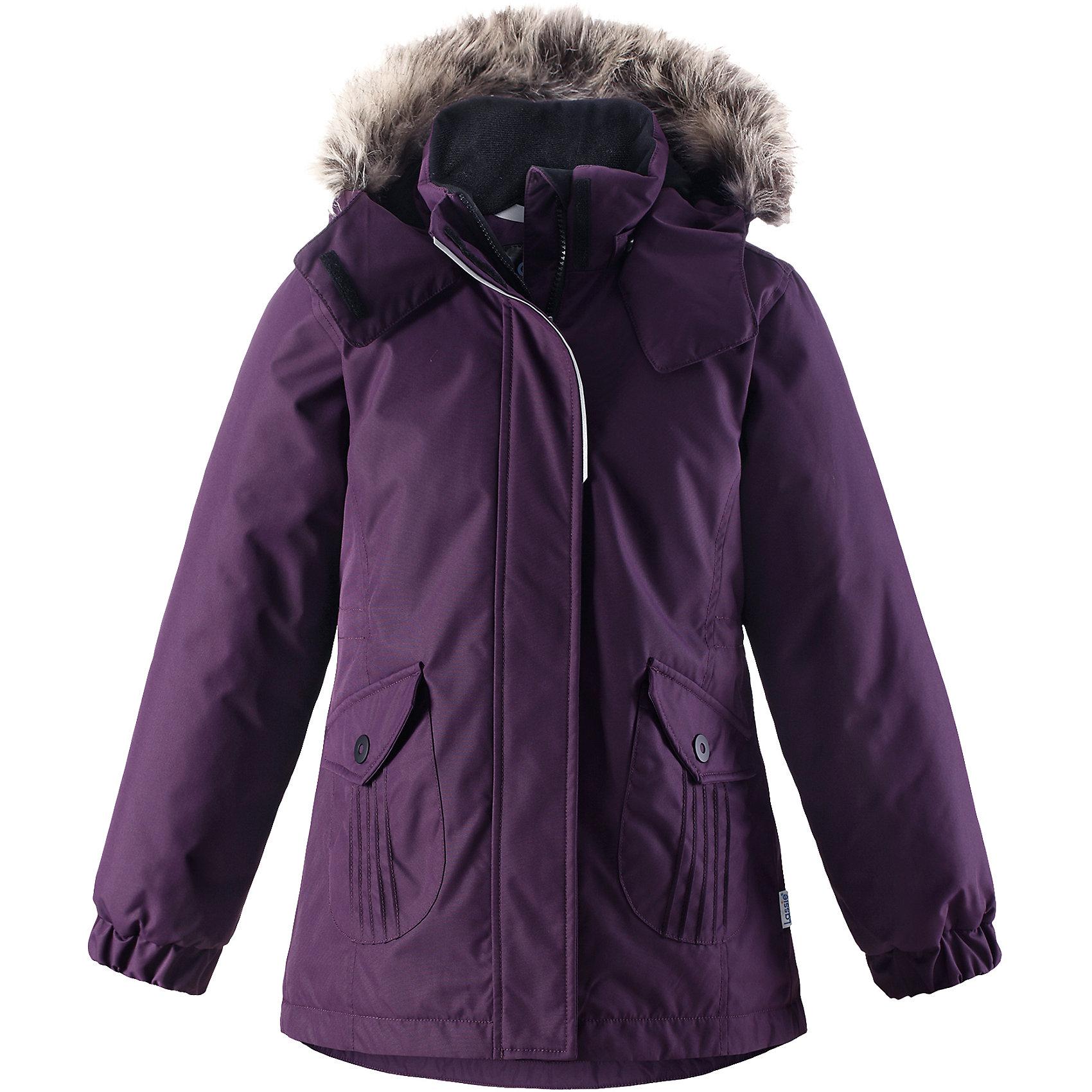 Куртка Lassie для девочкиОдежда<br>В этой стильной детской зимней куртке любители прогулок будут так хорошо выглядеть, а еще им будет очень тепло! Удлиненная модель для девочек, спереди оснащенная большими карманами с клапанами. Куртка изготовлена из ветронепроницаемого, дышащего материала с верхним водо- и грязеотталкивающим слоем – в ней будет тепло и комфортно во время веселых прогулок. Образ дополняют полезные и продуманные детали: карманы на липучках и безопасный съемный капюшон со съемной оторочкой из искусственного меха.<br>Состав:<br>100% Полиэстер<br><br>Ширина мм: 356<br>Глубина мм: 10<br>Высота мм: 245<br>Вес г: 519<br>Цвет: лиловый<br>Возраст от месяцев: 96<br>Возраст до месяцев: 108<br>Пол: Женский<br>Возраст: Детский<br>Размер: 134,140,92,98,104,110,116,122,128<br>SKU: 6927541