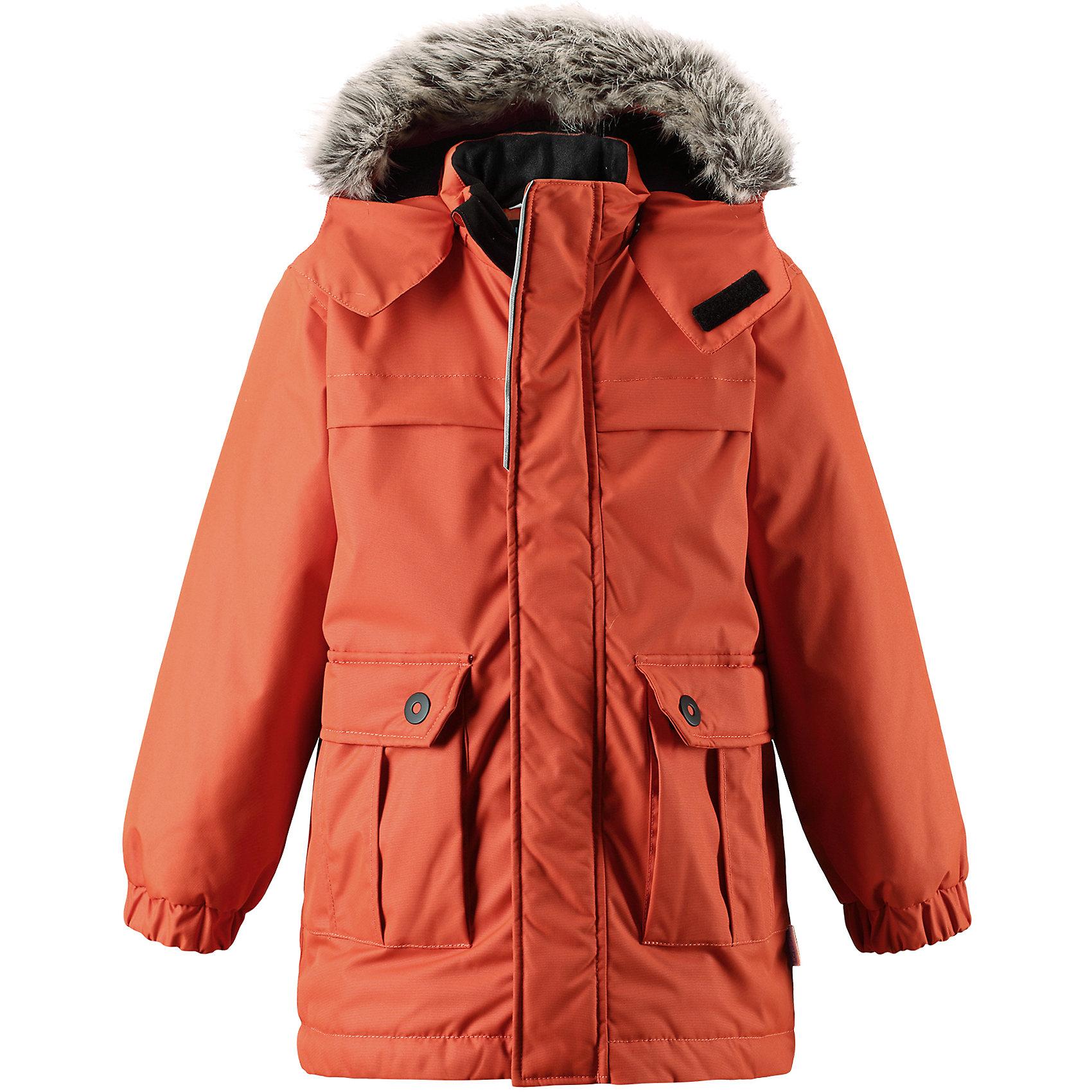 Куртка Lassie для мальчикаОдежда<br>Эта повседневная, но очень стильная детская зимняя парка идеальна для снежных и морозных зимних дней! Удлиненная задняя часть обеспечивает дополнительное утепление, а отделка из искусственного меха защищает нежную детскую кожу от морозного ветра. Съемный капюшон безопасен во время игр на свежем воздухе. Большие карманы с клапанами сохранят ключи от дома и другие важные мелочи.<br>Состав:<br>100% Полиэстер<br><br>Ширина мм: 356<br>Глубина мм: 10<br>Высота мм: 245<br>Вес г: 519<br>Цвет: оранжевый<br>Возраст от месяцев: 18<br>Возраст до месяцев: 24<br>Пол: Мужской<br>Возраст: Детский<br>Размер: 92,98,104,110,116,122,128,134,140<br>SKU: 6927551