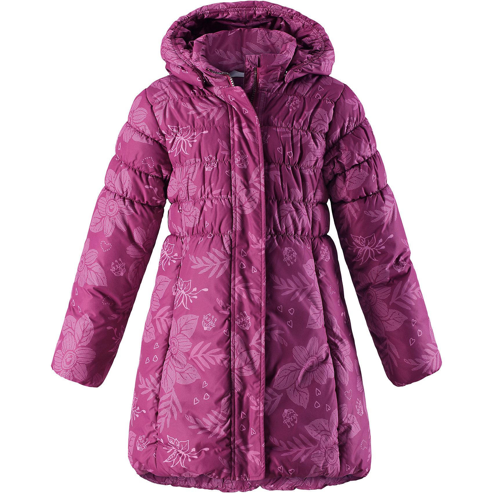 Пальто Lassie для девочкиОдежда<br>В этой прекрасной детской зимней куртке дети будут так хорошо выглядеть, а еще им будет очень тепло! Удлиненная модель для девочек с эластичными сборками на подоле и на спинке. Куртка изготовлена из ветронепроницаемого, дышащего материала с верхним водо- и грязеотталкивающим слоем – в ней будет тепло и комфортно во время веселых прогулок. Образ дополняют полезные и продуманные детали: карманы на липучках и безопасный съемный капюшон со съемной оторочкой из искусственного меха.<br>Состав:<br>100% Полиэстер<br><br>Ширина мм: 356<br>Глубина мм: 10<br>Высота мм: 245<br>Вес г: 519<br>Цвет: розовый<br>Возраст от месяцев: 108<br>Возраст до месяцев: 120<br>Пол: Женский<br>Возраст: Детский<br>Размер: 140,92,98,104,110,116,122,128,134<br>SKU: 6927591