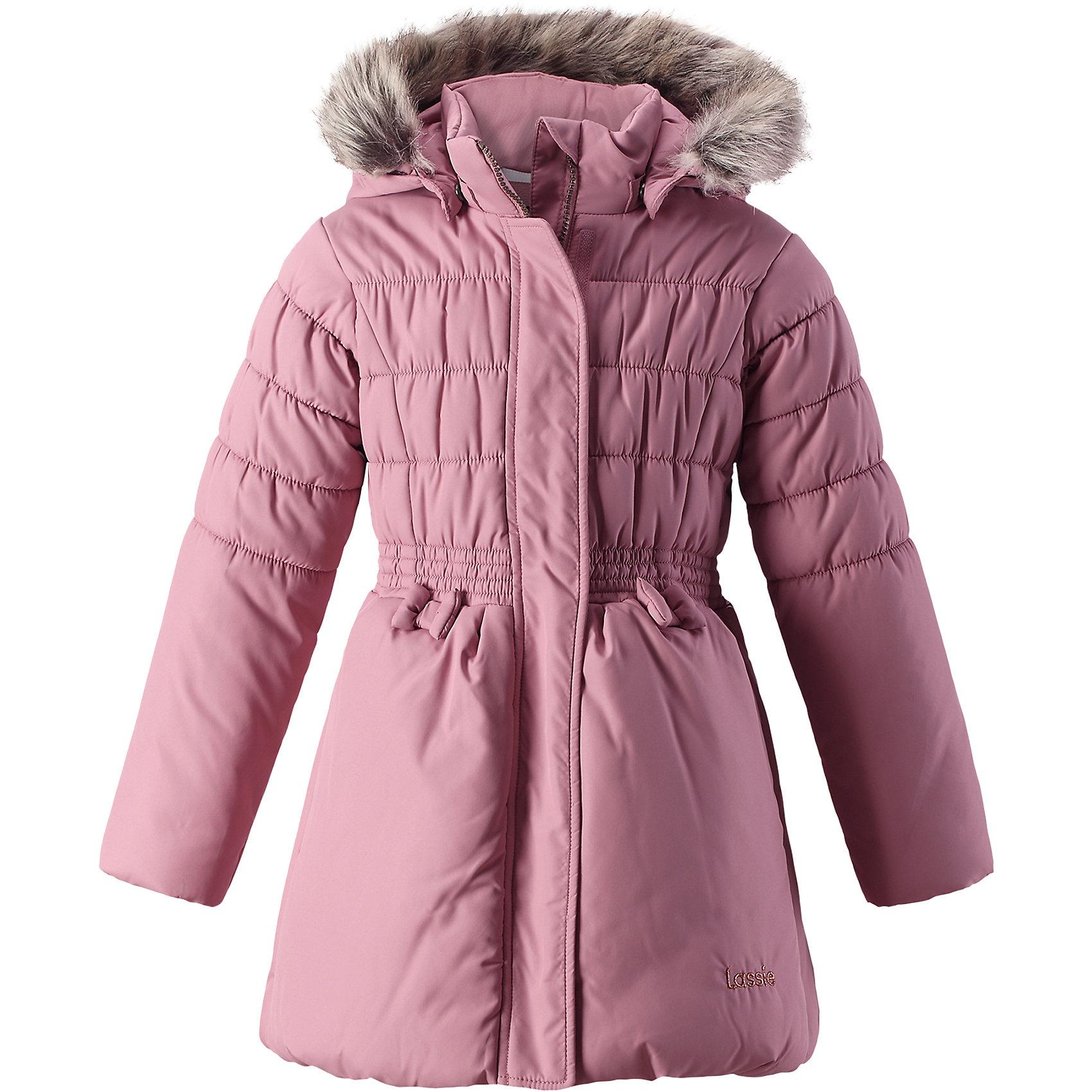Куртка Lassie для девочкиОдежда<br>Характеристики товара:<br><br>• цвет: розовый;<br>• состав: 100% полиэстер, полиуретановое покрытие;<br>• подкладка: 100% полиэстер;<br>• утеплитель: 200 г/м2;<br>• сезон: зима;<br>• температурный режим: от 0 до -25С;<br>• водонепроницаемость: 1000 мм;<br>• воздухопроницаемость: 1000 мм;<br>• износостойкость: 20000 циклов (тест Мартиндейла);<br>• особенности: с мехом, стеганая;<br>• застежка: молния с дополнительной защитной планкой и защитой подбородка;<br>• водоотталкивающий, ветронепроницаемый и дышащий материал;<br>• гладкая подкладка из полиэстера;<br>• безопасный съемный капюшон; <br>• съемный искусственный мех на капюшоне;<br>• эластичные манжеты рукавов; <br>• эластичная кромка подола;<br>• карманы в боковых швах;<br>• светоотражающие детали;<br>• страна бренда: Финляндия;<br>• страна изготовитель: Китай;<br><br>Чудесная куртка на зимние холода! Эта зимняя куртка сшита из водоотталкивающего, ветронепроницаемого и дышащего материала. Она снабжена безопасным съемным капюшоном, а съемная оторочка из искусственного меха оживляет образ.<br><br>Куртку Lassie (Ласси) для девочки можно купить в нашем интернет-магазине.<br><br>Ширина мм: 356<br>Глубина мм: 10<br>Высота мм: 245<br>Вес г: 519<br>Цвет: розовый<br>Возраст от месяцев: 108<br>Возраст до месяцев: 120<br>Пол: Женский<br>Возраст: Детский<br>Размер: 140,92,98,104,110,116,122,128,134<br>SKU: 6927631