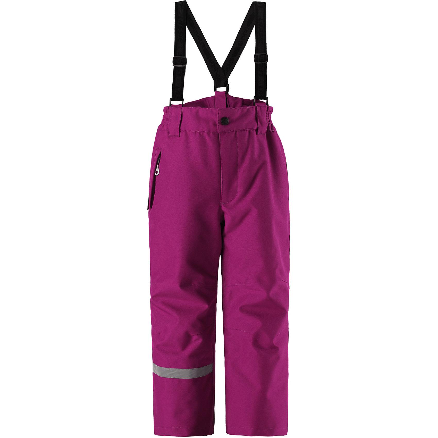 Брюки Lassietec LassieОдежда<br>Эти детские зимние брюки Lassietec® – отличный выбор для самых активных детей. Они изготовлены из сверхпрочного и водоотталкивающего материала, поэтому великолепно подойдут для супер активных детей и бесстрашных маленьких горнолыжников. Все основные швы проклеены, водонепроницаемы. Защита от снега на концах брючин не пускает снег вовнутрь, а со съемными регулируемыми подтяжками удобно в помещении.<br>Состав:<br>100% Полиэстер<br><br>Ширина мм: 215<br>Глубина мм: 88<br>Высота мм: 191<br>Вес г: 336<br>Цвет: розовый<br>Возраст от месяцев: 108<br>Возраст до месяцев: 120<br>Пол: Унисекс<br>Возраст: Детский<br>Размер: 140,92,98,104,110,116,122,128,134<br>SKU: 6927671