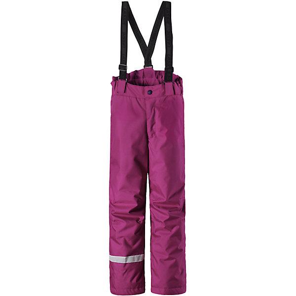 Брюки LassieОдежда<br>Характеристики товара:<br><br>• цвет: розовый;<br>• состав: 100% полиэстер, полиуретановое покрытие;<br>• подкладка: 100% полиэстер;<br>• утеплитель: 100 г/м2;<br>• сезон: зима;<br>• температурный режим: от 0 до -20С;<br>• водонепроницаемость: 1000 мм;<br>• воздухопроницаемость: 1000 мм;<br>• износостойкость: 50000 циклов (тест Мартиндейла);<br>• застежка: ширинка на молнии и пуговица;<br>• водоотталкивающий, ветронепроницаемый и дышащий материал;<br>• задний серединный шов проклеен;<br>• гладкая подкладка из полиэстера; <br>• сверхпрочный материал;<br>• эластичная талия; <br>• прямой крой;<br>• снегозащитные манжеты на штанинах;<br>• регулируемые и отстегивающиеся эластичные подтяжки;<br>• светоотражающие детали;<br>• страна бренда: Финляндия;<br>• страна изготовитель: Китай;<br><br>Эти очень практичные детские зимние брюки идеально подходят для активных игр на свежем воздухе! Они снабжены защитой от снега на концах брючин, так что ножкам будет тепло и сухо. Задний средний шов проклеен, водонепроницаем. Удобная молния спереди облегчает надевание, а регулируемые подтяжки позволяют откорректировать брюки идеально по размеру. Свободный крой.<br><br>Брюки Lassie (Ласси) можно купить в нашем интернет-магазине.<br><br>Ширина мм: 215<br>Глубина мм: 88<br>Высота мм: 191<br>Вес г: 336<br>Цвет: розовый<br>Возраст от месяцев: 108<br>Возраст до месяцев: 120<br>Пол: Женский<br>Возраст: Детский<br>Размер: 140,134,128,122,116,110,104,98,92<br>SKU: 6927701