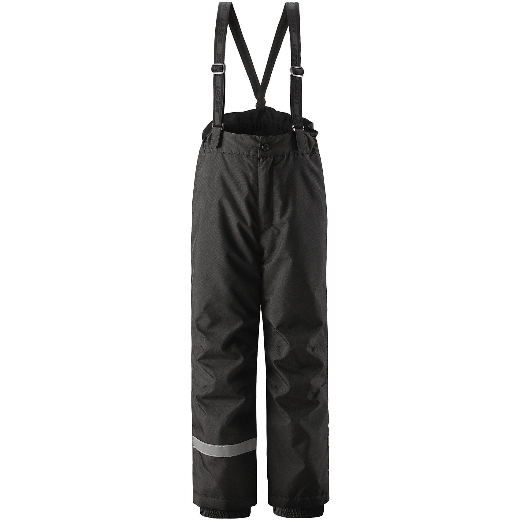 Брюки LassieОдежда<br>Эти очень практичные детские зимние брюки идеально подходят для активных игр на свежем воздухе! Они снабжены защитой от снега на концах брючин, так что ножкам будет тепло и сухо. Задний средний шов проклеен, водонепроницаем. Удобная молния спереди облегчает надевание, а регулируемые подтяжки позволяют откорректировать брюки идеально по размеру. Свободный крой.<br>Состав:<br>100% Полиэстер<br><br>Ширина мм: 215<br>Глубина мм: 88<br>Высота мм: 191<br>Вес г: 336<br>Цвет: черный<br>Возраст от месяцев: 108<br>Возраст до месяцев: 120<br>Пол: Унисекс<br>Возраст: Детский<br>Размер: 140,92,98,104,110,116,122,128,134<br>SKU: 6927741