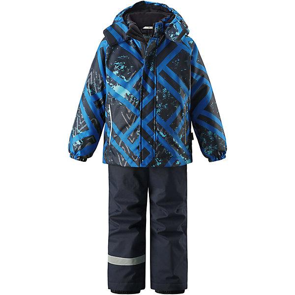 Комплект LassieОдежда<br>Характеристики товара:<br><br>• цвет: синий;<br>• состав: 100% полиэстер, полиуретановое покрытие;<br>• подкладка: 100% полиэстер;<br>• утеплитель: куртка 180 г/м2, брюки 100 г/м2;<br>• сезон: зима;<br>• температурный режим: от 0 до -20С;<br>• водонепроницаемость: 1000 мм;<br>• воздухопроницаемость: 1000 мм;<br>• износостойкость: 50000 циклов (тест Мартиндейла);<br>• застежка: куртка на молнии, брюки молнии и пуговице;<br>• водоотталкивающий, ветронепроницаемый и дышащий материал;<br>• гладкая подкладка из полиэстера; <br>• безопасный съемный капюшон;<br>• эластичные манжеты; <br>• снегозащитные манжеты на штанинах;<br>• регулируемые подол;<br>• регулируемые и отстегивающиеся эластичные подтяжки;<br>• два прорезных кармана;<br>• светоотражающие детали;<br>• страна бренда: Финляндия;<br>• страна изготовитель: Китай;<br><br>Этот детский зимний комплект рассчитан на активных детей, которые любят играть на улице в любую погоду. Он изготовлен из сверхпрочного материала и оснащен безопасным съемным капюшоном, который обеспечивает дополнительную защиту. Регулируемый подол куртки и подтяжки на брюках позволяют откорректировать одежду по фигуре. На концах брючин предусмотрена защита от снега, поэтому ножки останутся сухими во время игр на снегу. Красочный рисунок дополняет образ!<br><br>Комплект Lassie (Ласси) для мальчика можно купить в нашем интернет-магазине.<br><br>Ширина мм: 356<br>Глубина мм: 10<br>Высота мм: 245<br>Вес г: 519<br>Цвет: синий<br>Возраст от месяцев: 18<br>Возраст до месяцев: 24<br>Пол: Мужской<br>Возраст: Детский<br>Размер: 92,140,134,128,122,116,110,104,98<br>SKU: 6927831