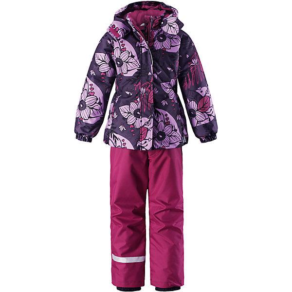Комплект Lassie для девочкиОдежда<br>Характеристики товара:<br><br>• цвет: фиолетовый;<br>• состав: 100% полиэстер, полиуретановое покрытие;<br>• подкладка: 100% полиэстер;<br>• утеплитель: куртка 180 г/м2, брюки 100 г/м2;<br>• сезон: зима;<br>• температурный режим: от 0 до -20С;<br>• водонепроницаемость: 1000 мм;<br>• воздухопроницаемость: 1000 мм;<br>• износостойкость: 50000 циклов (тест Мартиндейла);<br>• застежка: куртка на молнии, брюки молнии и пуговице;<br>• водоотталкивающий, ветронепроницаемый и дышащий материал;<br>• гладкая подкладка из полиэстера; <br>• безопасный съемный капюшон;<br>• эластичные манжеты; <br>• снегозащитные манжеты на штанинах;<br>• эластичная талия и кромка подола;<br>• регулируемые и отстегивающиеся эластичные подтяжки;<br>• карманы в боковых швах;<br>• светоотражающие детали;<br>• страна бренда: Финляндия;<br>• страна изготовитель: Китай;<br><br>Зимний комплект для девочки. Брюки изготовлены из сверхпрочного материала и снабжены защитой от снега. Съемные регулируемые подтяжки позволяют откорректировать брюки идеально по размеру, а задний средний шов проклеен для обеспечения водонепроницаемости. <br><br>Куртка украшена цветочным рисунком и снабжена безопасным и практичным съемным капюшоном, а карманы на липучке сохранят все нужные мелочи! И куртка, и брюки изготовлены из ветронепроницаемого и дышащего материала с водо- и грязеотталкивающей поверхностью.<br><br>Комплект Lassie (Ласси) для девочки можно купить в нашем интернет-магазине.<br>Ширина мм: 356; Глубина мм: 10; Высота мм: 245; Вес г: 519; Цвет: лиловый; Возраст от месяцев: 18; Возраст до месяцев: 24; Пол: Женский; Возраст: Детский; Размер: 92,140,134,128,122,116,110,104,98; SKU: 6927861;