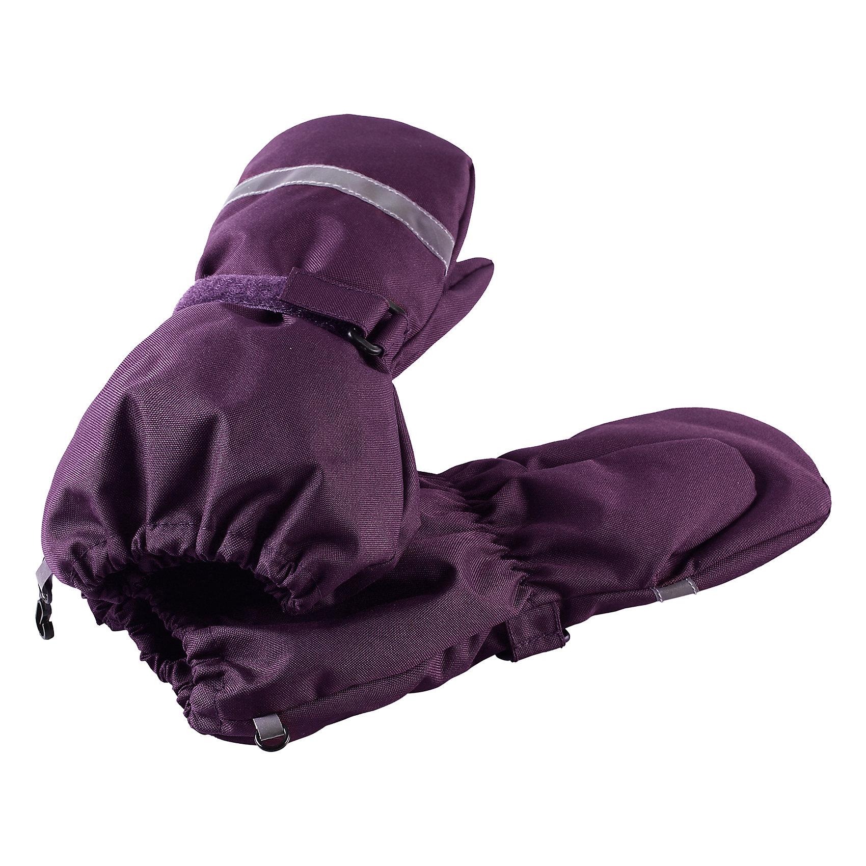 Варежки LassieПерчатки и варежки<br>Давайте слепим снеговика! Эти детские варежки усилены сверхпрочным материалом, который гарантирует отсутствие скольжения даже на ледяных поверхностях – катать в них снежки просто и весело! Нежная и мягкая на ощупь трикотажная подкладка с начесом обеспечивает дополнительное утепление. Благодаря удобной застежке на липучке они хорошо и плотно сидят на руке.<br>Состав:<br>100% Полиэстер<br><br>Ширина мм: 162<br>Глубина мм: 171<br>Высота мм: 55<br>Вес г: 119<br>Цвет: лиловый<br>Возраст от месяцев: 96<br>Возраст до месяцев: 120<br>Пол: Унисекс<br>Возраст: Детский<br>Размер: 6,3,4,5<br>SKU: 6928031