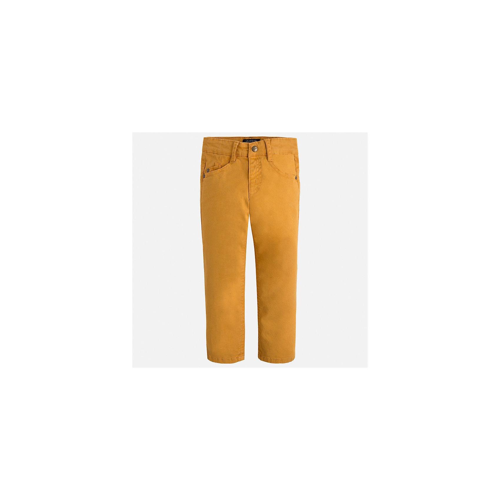 Брюки Mayoral для мальчикаБрюки<br>Характеристики товара:<br><br>• цвет: желтый;<br>• состав ткани 98% хлопок, 2% эластан;<br>• regular fit (прямой покрой);<br>• регулируемая талия;<br>• клепки и накладные карманы;<br>• сезон: демисезон;<br>• страна бренда: Испания;<br>• страна изготовитель: Бангладеш.<br><br>Брюки для мальчика от популярного бренда Mayoral из гладкого эластичного хлопка средней плотности. Пояс с регулировкой. Декорированы клепками и накладными задними карманами. Очень удобные и не стесняют движений, смотрятся аккуратно и стильно.<br><br>В одежде от испанской компании Майорал ребенок будет выглядеть модно, а чувствовать себя - комфортно. <br><br>Брюки для  мальчика Mayoral (Майорал) можно купить в нашем интернет-магазине.<br><br>Ширина мм: 215<br>Глубина мм: 88<br>Высота мм: 191<br>Вес г: 336<br>Цвет: оранжевый<br>Возраст от месяцев: 18<br>Возраст до месяцев: 24<br>Пол: Мужской<br>Возраст: Детский<br>Размер: 92,122,98,104,110,116<br>SKU: 6931548