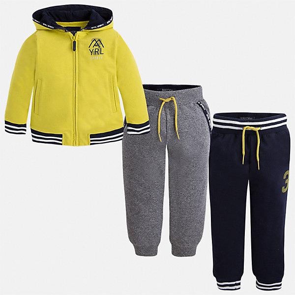 Спортивный костюм для мальчика MayoralСпортивная одежда<br>Характеристики товара:<br><br>• цвет: зеленый;<br>• состав ткани: 60% хлопок, 40% полиэстер;<br>• комплект: толстовка, брюки - 2 шт.;<br>• сезон: демисезон;<br>• страна бренда: Испания;<br>• страна изготовитель:Китай.<br><br>Спортивный костюм для мальчика от популярного бренда Mayoral. Дополнен дополнительными брюками с манжетами, пояс на шнурке. Толстовка на молнии с аппликацией, с уплотненной резинкой для хорошей фиксации и капюшоном.  Спортивный костюм - отличный выбор для прогулок и активного отдыха, а также для  спортивных занятий в школе.<br><br>В одежде от испанской компании Майорал ребенок будет выглядеть модно, а чувствовать себя - комфортно. <br><br>Спортивный костюм для  мальчика Mayoral (Майорал) можно купить в нашем интернет-магазине.<br><br>Ширина мм: 247<br>Глубина мм: 16<br>Высота мм: 140<br>Вес г: 225<br>Цвет: желтый<br>Возраст от месяцев: 72<br>Возраст до месяцев: 84<br>Пол: Мужской<br>Возраст: Детский<br>Размер: 92,134,116,110,104,98,122,128<br>SKU: 6931600