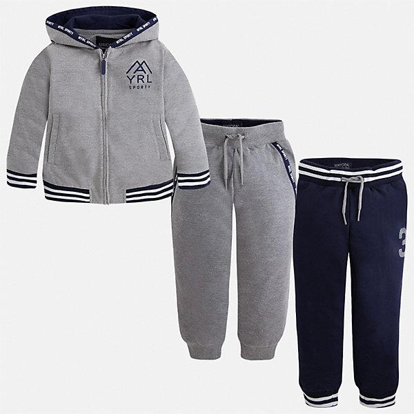 Спортивный костюм для мальчика MayoralСпортивная одежда<br>Характеристики товара:<br><br>• цвет: серый;<br>• состав ткани: 60% хлопок, 40% полиэстер;<br>• комплект: толстовка, брюки - 2 шт.;<br>• сезон: демисезон;<br>• страна бренда: Испания;<br>• страна изготовитель:Китай.<br><br>Спортивный костюм для мальчика от популярного бренда Mayoral. Дополнен дополнительными брюками с манжетами, пояс на шнурке. Толстовка на молнии с аппликацией, с уплотненной резинкой для хорошей фиксации и капюшоном.  Спортивный костюм - отличный выбор для прогулок и активного отдыха, а также для  спортивных занятий в школе.<br><br>В одежде от испанской компании Майорал ребенок будет выглядеть модно, а чувствовать себя - комфортно. <br><br>Спортивный костюм для  мальчика Mayoral (Майорал) можно купить в нашем интернет-магазине.<br>Ширина мм: 247; Глубина мм: 16; Высота мм: 140; Вес г: 225; Цвет: серый; Возраст от месяцев: 18; Возраст до месяцев: 24; Пол: Мужской; Возраст: Детский; Размер: 92,134,128,122,116,110,104,98; SKU: 6931609;