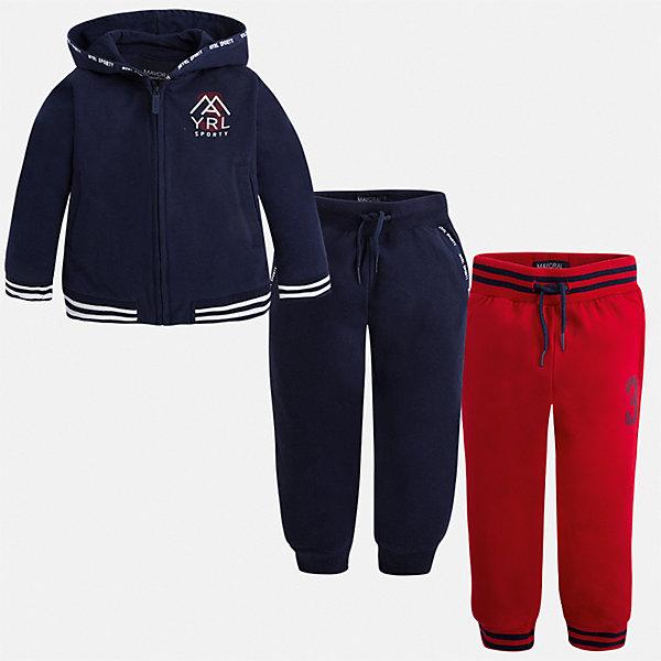 Спортивный костюм для мальчика MayoralСпортивная одежда<br>Характеристики товара:<br><br>• цвет: синий;<br>• состав ткани: 60% хлопок, 40% полиэстер;<br>• комплект: толстовка, брюки - 2 шт.;<br>• сезон: демисезон;<br>• страна бренда: Испания;<br>• страна изготовитель:Китай.<br><br>Спортивный костюм для мальчика от популярного бренда Mayoral. Дополнен дополнительными брюками с манжетами, пояс на шнурке. Толстовка на молнии с аппликацией, с уплотненной резинкой для хорошей фиксации и капюшоном.  Спортивный костюм - отличный выбор для прогулок и активного отдыха, а также для  спортивных занятий в школе.<br><br>В одежде от испанской компании Майорал ребенок будет выглядеть модно, а чувствовать себя - комфортно. <br><br>Спортивный костюм для  мальчика Mayoral (Майорал) можно купить в нашем интернет-магазине.<br>Ширина мм: 247; Глубина мм: 16; Высота мм: 140; Вес г: 225; Цвет: синий; Возраст от месяцев: 18; Возраст до месяцев: 24; Пол: Мужской; Возраст: Детский; Размер: 92,122,98,104,110,116; SKU: 6931618;