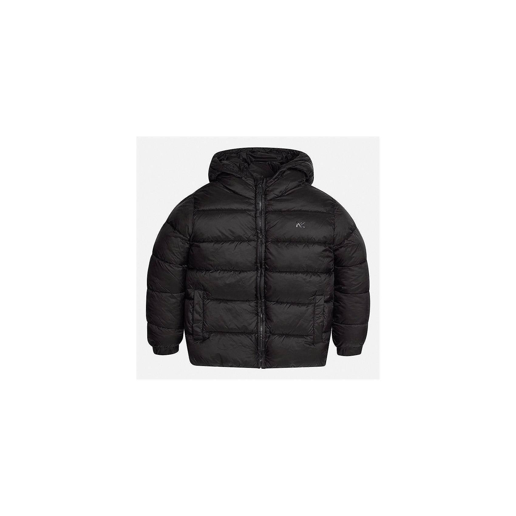 Куртка для мальчика MayoralВерхняя одежда<br>Характеристики товара:<br><br>• цвет: черный;<br>• сезон: демисезон;<br>• состав ткани: 100% полиэстер;<br>• состав подкладки: 100% полиэстер;<br>• стеганая;<br>• капюшон: без меха, не отстегивается;<br>• страна бренда: Испания;<br>• страна изготовитель: Бангладеш.<br><br>Демисезонная куртка для мальчика от популярного бренда Mayoral несомненно понравится вам и вашему ребенку. Качественные ткани, безупречное исполнение, все модели в центре модных тенденций. Внешняя ткань плащевая, подкладка из флиса, аккуратные швы. Рукава на внутренней манжете. Застегивается на замок-молнию, капюшон не отстегивается. <br><br>Легкая и теплая куртка с капюшоном и карманами на холодную осень-весну. Грамотный крой изделия обеспечивает отличную посадку по фигуре.<br><br>Куртку  для мальчика Mayoral (Майорал) можно купить в нашем интернет-магазине.<br><br>Ширина мм: 356<br>Глубина мм: 10<br>Высота мм: 245<br>Вес г: 519<br>Цвет: черный<br>Возраст от месяцев: 108<br>Возраст до месяцев: 120<br>Пол: Мужской<br>Возраст: Детский<br>Размер: 140,170,164,158,152<br>SKU: 6931943