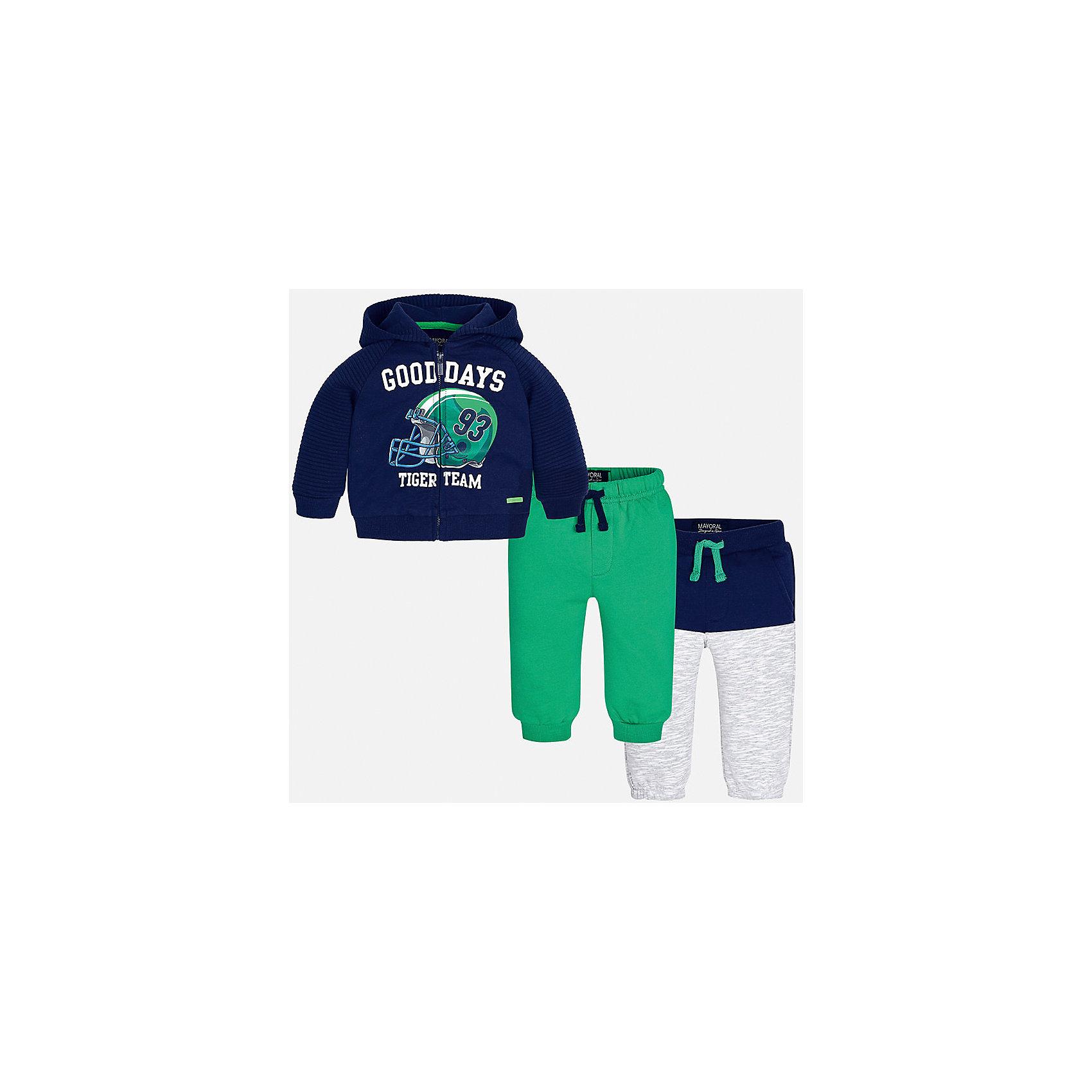 Спортивный костюм для мальчика MayoralКомплекты<br>Характеристики товара:<br><br>• цвет: синий/зеленый/серый;<br>• состав ткани: 60% хлопок, 40% полиэстер;<br>• комплект: толстовка, брюки - 2 шт.;<br>• сезон: демисезон;<br>• страна бренда: Испания;<br>• страна изготовитель:Китай.<br><br>Спортивный костюм для мальчика от популярного бренда Mayoral. Теплый спортивный костюм дополнен дополнительными брюками с манжетами, пояс на резинке с кулиской. Толстовка на молнии с аппликацией и  капюшоном, с уплотненной резинкой на талии для хорошей фиксации и воздухопроницаемости.  Спортивный костюм - отличный выбор для прогулок и активного отдыха, а также для  спортивных занятий в школе.<br><br>В одежде от испанской компании Майорал ребенок будет выглядеть модно, а чувствовать себя - комфортно. <br><br>Спортивный костюм для  мальчика Mayoral (Майорал) можно купить в нашем интернет-магазине.<br><br>Ширина мм: 247<br>Глубина мм: 16<br>Высота мм: 140<br>Вес г: 225<br>Цвет: зеленый<br>Возраст от месяцев: 6<br>Возраст до месяцев: 9<br>Пол: Мужской<br>Возраст: Детский<br>Размер: 74,98,92,86,80<br>SKU: 6932272