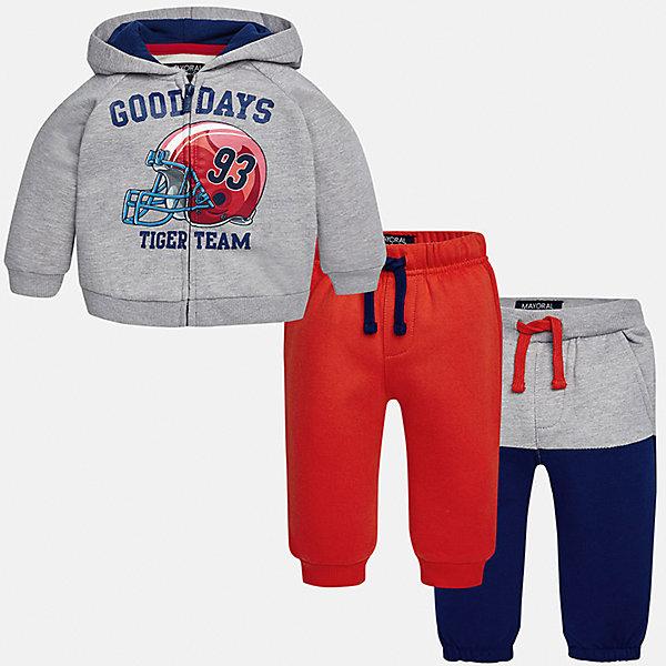 Спортивный костюм для мальчика MayoralКомплекты<br>Характеристики товара:<br><br>• цвет: серый/синий/красный;<br>• состав ткани: 60% хлопок, 40% полиэстер;<br>• комплект: толстовка, брюки - 2 шт.;<br>• сезон: демисезон;<br>• страна бренда: Испания;<br>• страна изготовитель:Китай.<br><br>Спортивный костюм для мальчика от популярного бренда Mayoral. Теплый спортивный костюм дополнен дополнительными брюками с манжетами, пояс на резинке с кулиской. Толстовка на молнии с аппликацией и  капюшоном, с уплотненной резинкой на талии для хорошей фиксации и воздухопроницаемости.  Спортивный костюм - отличный выбор для прогулок и активного отдыха, а также для  спортивных занятий в школе.<br><br>В одежде от испанской компании Майорал ребенок будет выглядеть модно, а чувствовать себя - комфортно. <br><br>Спортивный костюм для  мальчика Mayoral (Майорал) можно купить в нашем интернет-магазине.<br><br>Ширина мм: 247<br>Глубина мм: 16<br>Высота мм: 140<br>Вес г: 225<br>Цвет: красный<br>Возраст от месяцев: 18<br>Возраст до месяцев: 24<br>Пол: Мужской<br>Возраст: Детский<br>Размер: 92,98,74,80,86<br>SKU: 6932278