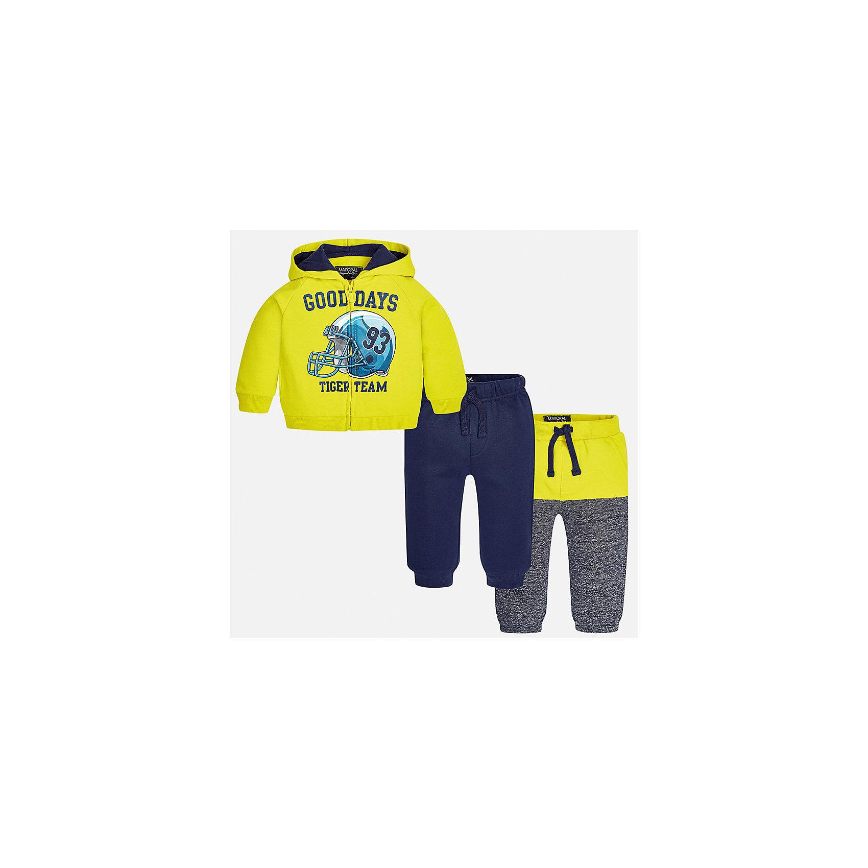 Спортивный костюм для мальчика MayoralКомплекты<br>Характеристики товара:<br><br>• цвет: желтый/синий/серый;<br>• состав ткани: 60% хлопок, 40% полиэстер;<br>• комплект: толстовка, брюки - 2 шт.;<br>• сезон: демисезон;<br>• страна бренда: Испания;<br>• страна изготовитель:Китай.<br><br>Спортивный костюм для мальчика от популярного бренда Mayoral. Теплый спортивный костюм дополнен дополнительными брюками с манжетами, пояс на резинке с кулиской. Толстовка на молнии с аппликацией и  капюшоном, с уплотненной резинкой на талии для хорошей фиксации и воздухопроницаемости.  Спортивный костюм - отличный выбор для прогулок и активного отдыха, а также для  спортивных занятий в школе.<br><br>В одежде от испанской компании Майорал ребенок будет выглядеть модно, а чувствовать себя - комфортно. <br><br>Спортивный костюм для  мальчика Mayoral (Майорал) можно купить в нашем интернет-магазине.<br><br>Ширина мм: 247<br>Глубина мм: 16<br>Высота мм: 140<br>Вес г: 225<br>Цвет: желтый/серый<br>Возраст от месяцев: 6<br>Возраст до месяцев: 9<br>Пол: Мужской<br>Возраст: Детский<br>Размер: 74,98,92,86,80<br>SKU: 6932284