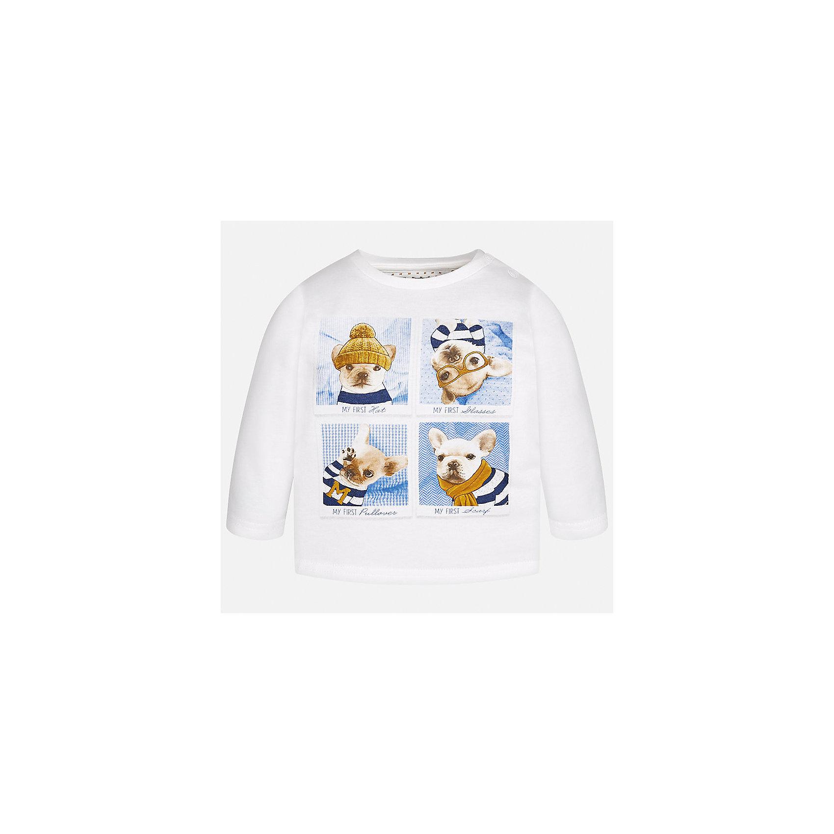 Футболка с длинным рукавом Mayoral для мальчикаФутболки, топы<br>Характеристики товара:<br><br>• цвет:молочный;<br>• состав ткани: 100% хлопок;<br>• длинный рукав;<br>• рисунок: принт;<br>• кнопка на воротнике;<br>• сезон: демисезон;<br>• страна бренда: Испания;<br>• страна изготовитель: Индия.<br><br>Лонгслив для мальчика от популярного бренда Mayoral  выполнен из натурального хлопка, ткань эластичная и приятная на ощупь. Однотонная модель декорирована принтом с изображением забавных песиков, имеет круглый вырез.<br><br>Стильный лонгслив молочного цвета дополнен кнопками по плечевому шву для удобства переодевания малыша.  Очень практичный и долгий в носке, цвет не тускнеет, смотрится аккуратно и стильно. Лонгслив идеально подходит для повседневной одежды как дома, так и на прогулку.<br><br>Для производства детской одежды популярный бренд Mayoral используют только качественную фурнитуру и материалы. Оригинальные и модные вещи от Майорал неизменно привлекают внимание и нравятся детям.<br><br>Лонгслив для мальчика Mayoral (Майорал) можно купить в нашем интернет-магазине.<br><br>Ширина мм: 230<br>Глубина мм: 40<br>Высота мм: 220<br>Вес г: 250<br>Цвет: бежевый<br>Возраст от месяцев: 24<br>Возраст до месяцев: 36<br>Пол: Мужской<br>Возраст: Детский<br>Размер: 98,74,80,86,92<br>SKU: 6932320