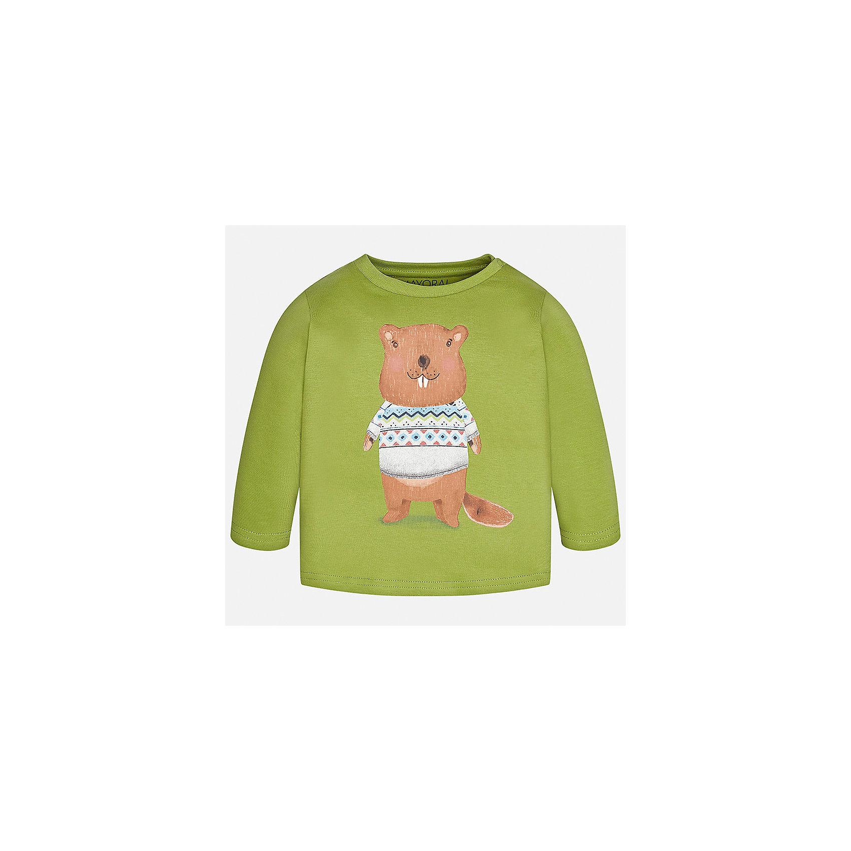 Футболка с длинным рукавом Mayoral для мальчикаФутболки с длинным рукавом<br>Характеристики товара:<br><br>• цвет: зеленый;<br>• состав ткани: 100% хлопок;<br>• длинный рукав;<br>• рисунок: принт;<br>• кнопка на воротнике;<br>• сезон: демисезон;<br>• страна бренда: Испания;<br>• страна изготовитель: Индия.<br><br>Лонгслив для мальчика от популярного бренда Mayoral  выполнен из натурального хлопка, ткань эластичная и приятная на ощупь. Однотонная модель декорирована принтом с изображением веселого бобра, имеет круглый вырез и дополнен кнопками по плечевому шву для удобства переодевания малыша.  <br><br>Очень практичная и долгая в носке модель, цвет не тускнеет, смотрится аккуратно и стильно. Лонгслив зеленого цвета идеально пододойдет для повседневной одежды  для дома, так и на прогулку.<br><br>Для производства детской одежды популярный бренд Mayoral используют только качественную фурнитуру и материалы. Оригинальные и модные вещи от Майорал неизменно привлекают внимание и нравятся детям.<br><br>Лонгслив для мальчика Mayoral (Майорал) можно купить в нашем интернет-магазине.<br><br>Ширина мм: 230<br>Глубина мм: 40<br>Высота мм: 220<br>Вес г: 250<br>Цвет: бежевый<br>Возраст от месяцев: 24<br>Возраст до месяцев: 36<br>Пол: Мужской<br>Возраст: Детский<br>Размер: 98,74,80,86,92<br>SKU: 6932386
