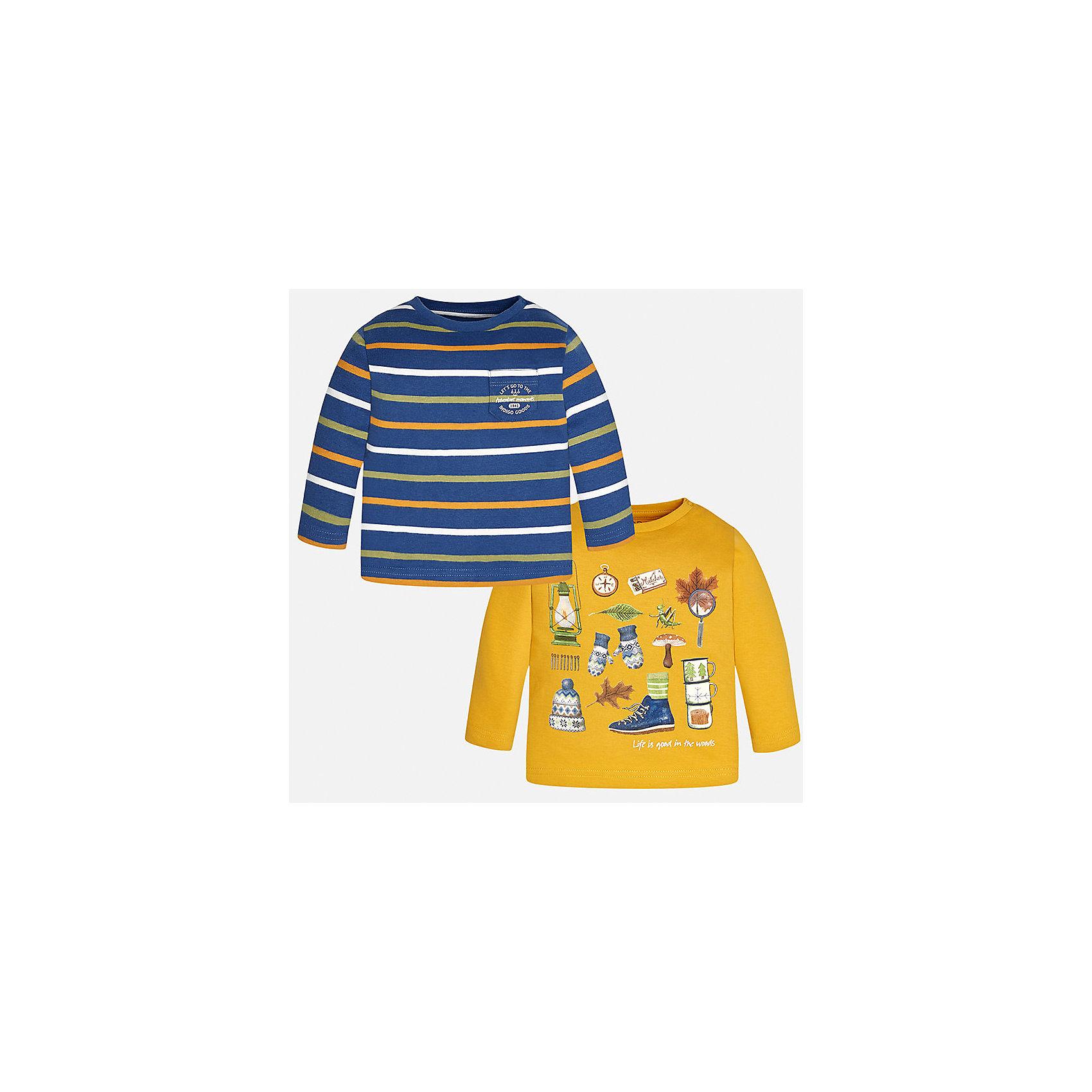 Футболка с длинным рукавом (2 шт.) Mayoral для мальчикаФутболки с длинным рукавом<br>Характеристики товара:<br><br>• цвет: желтый/синий;<br>• комплект: 2 шт.;<br>• состав ткани: 100% хлопок;<br>• длинный рукав;<br>• рисунок: принт;<br>• кнопка на воротнике;<br>• сезон: демисезон;<br>• страна бренда: Испания;<br>• страна изготовитель: Индия.<br><br>Комплект из двух футболок с длинным рукавом для мальчика от популярного бренда Mayoral  выполнен из натурального хлопка, ткань эластичная и приятная на ощупь. Жёлтая модель декорирована оригинальным принтом, модель в контрастную полоску дополнена нагрудным кармашком. Обе модели имеют круглый вырез и кнопки по плечевому шву для удобства переодевания малыша.  <br><br>Комплект очень практичен и долгий в носке, цвет не тускнеет, смотрятся аккуратно и стильно. Идеально подходит для повседневной одежды как дома, так и на прогулку.<br><br>Для производства детской одежды популярный бренд Mayoral используют только качественную фурнитуру и материалы. Оригинальные и модные вещи от Майорал неизменно привлекают внимание и нравятся детям.<br><br>Ширина мм: 230<br>Глубина мм: 40<br>Высота мм: 220<br>Вес г: 250<br>Цвет: желтый<br>Возраст от месяцев: 6<br>Возраст до месяцев: 9<br>Пол: Мужской<br>Возраст: Детский<br>Размер: 74,98,80,86,92<br>SKU: 6932422