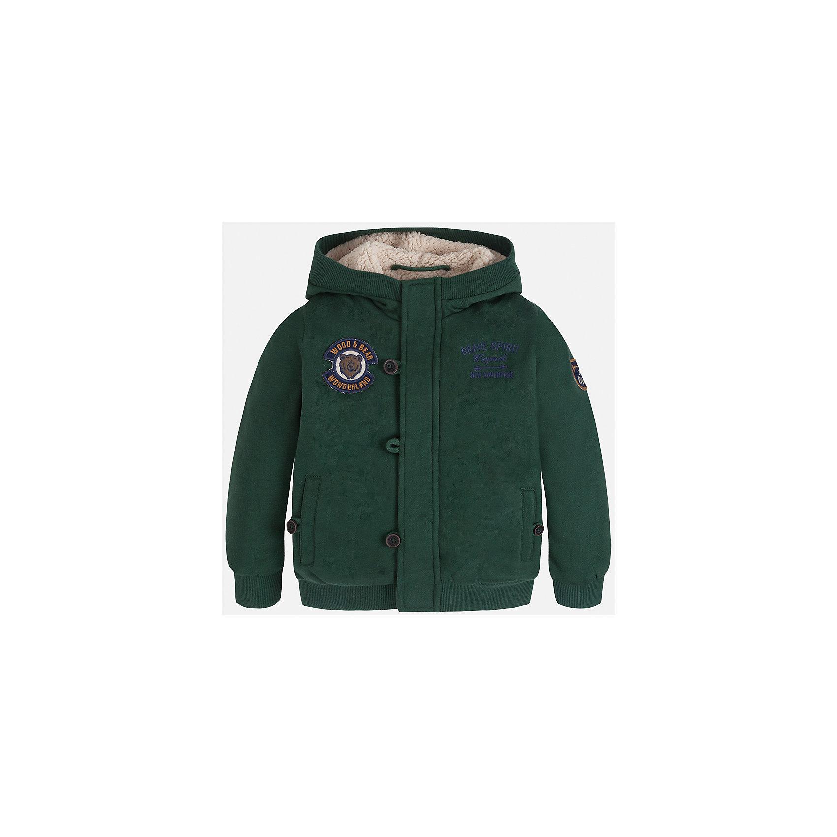 Куртка для мальчика MayoralВерхняя одежда<br>Характеристики товара:<br><br>• цвет: зеленый<br>• состав ткани: 65% полиэстер, 35% хлопок<br>• подкладка: 100% полиэстер<br>• сезон: демисезон<br>• особенности куртки: на молнии<br>• капюшон: без меха, несъемный<br>• застежка: молния<br>• страна бренда: Испания<br>• страна изготовитель: Индия<br><br>Эта детская куртка от Mayoral дополнена удобными карманами и капюшоном. Куртка для мальчика сшита из приятного на ощупь материала. Детская одежда от испанской компании Mayoral, как и эта демисезонная куртка, отличается оригинальным и всегда стильным дизайном. Качество продукции неизменно очень высокое.<br><br>Куртку для мальчика Mayoral (Майорал) можно купить в нашем интернет-магазине.<br><br>Ширина мм: 356<br>Глубина мм: 10<br>Высота мм: 245<br>Вес г: 519<br>Цвет: зеленый<br>Возраст от месяцев: 18<br>Возраст до месяцев: 24<br>Пол: Мужской<br>Возраст: Детский<br>Размер: 104,98,92,134,128,122,116,110<br>SKU: 6932749