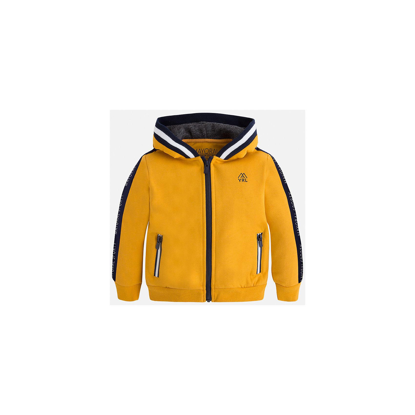 Куртка для мальчика MayoralТолстовки<br>Характеристики товара:<br><br>• цвет: оранжевый<br>• состав ткани: 55% хлопок, 45% полиэстер<br>• сезон: демисезон<br>• особенности толстовки: с манжетами, на молнии<br>• капюшон: без меха, несъемный<br>• застежка: молния<br>• страна бренда: Испания<br>• страна изготовитель: Индия<br><br>Яркая детская толстовка подойдет для прохладной погоды. Отличный способ обеспечить ребенку тепло и комфорт - надеть теплую толстовку от Mayoral. Детская толстовка сшита из приятного на ощупь материала. Толстовка для мальчика Mayoral дополнена удобным капюшоном. <br><br>Толстовку для мальчика Mayoral (Майорал) можно купить в нашем интернет-магазине.<br><br>Ширина мм: 356<br>Глубина мм: 10<br>Высота мм: 245<br>Вес г: 519<br>Цвет: оранжевый<br>Возраст от месяцев: 96<br>Возраст до месяцев: 108<br>Пол: Мужской<br>Возраст: Детский<br>Размер: 134,92,98,104,110,116,122,128<br>SKU: 6932766