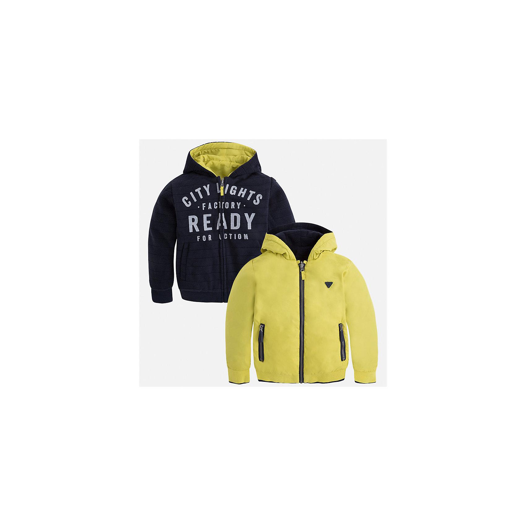 Куртка для мальчика MayoralДемисезонные куртки<br>Характеристики товара:<br><br>• цвет: зеленый<br>• состав ткани: 100% полиэстер<br>• подкладка: 100% полиэстер<br>• сезон: демисезон<br>• особенности куртки: двусторонняя<br>• капюшон: без меха, несъемный<br>• застежка: молния<br>• страна бренда: Испания<br>• страна изготовитель: Индия<br><br>Такая детская двухсторонняя куртка от Mayoral дополнена удобными карманами и капюшоном. Куртка для мальчика сшита из приятного на ощупь материала. Детская одежда от испанской компании Mayoral, как и эта двусторонняя куртка для мальчика, отличается оригинальным и всегда стильным дизайном. Качество продукции неизменно очень высокое.<br><br>Куртку для мальчика Mayoral (Майорал) можно купить в нашем интернет-магазине.<br><br>Ширина мм: 356<br>Глубина мм: 10<br>Высота мм: 245<br>Вес г: 519<br>Цвет: зеленый<br>Возраст от месяцев: 60<br>Возраст до месяцев: 72<br>Пол: Мужской<br>Возраст: Детский<br>Размер: 116,110,104,98,134,128,122<br>SKU: 6932799