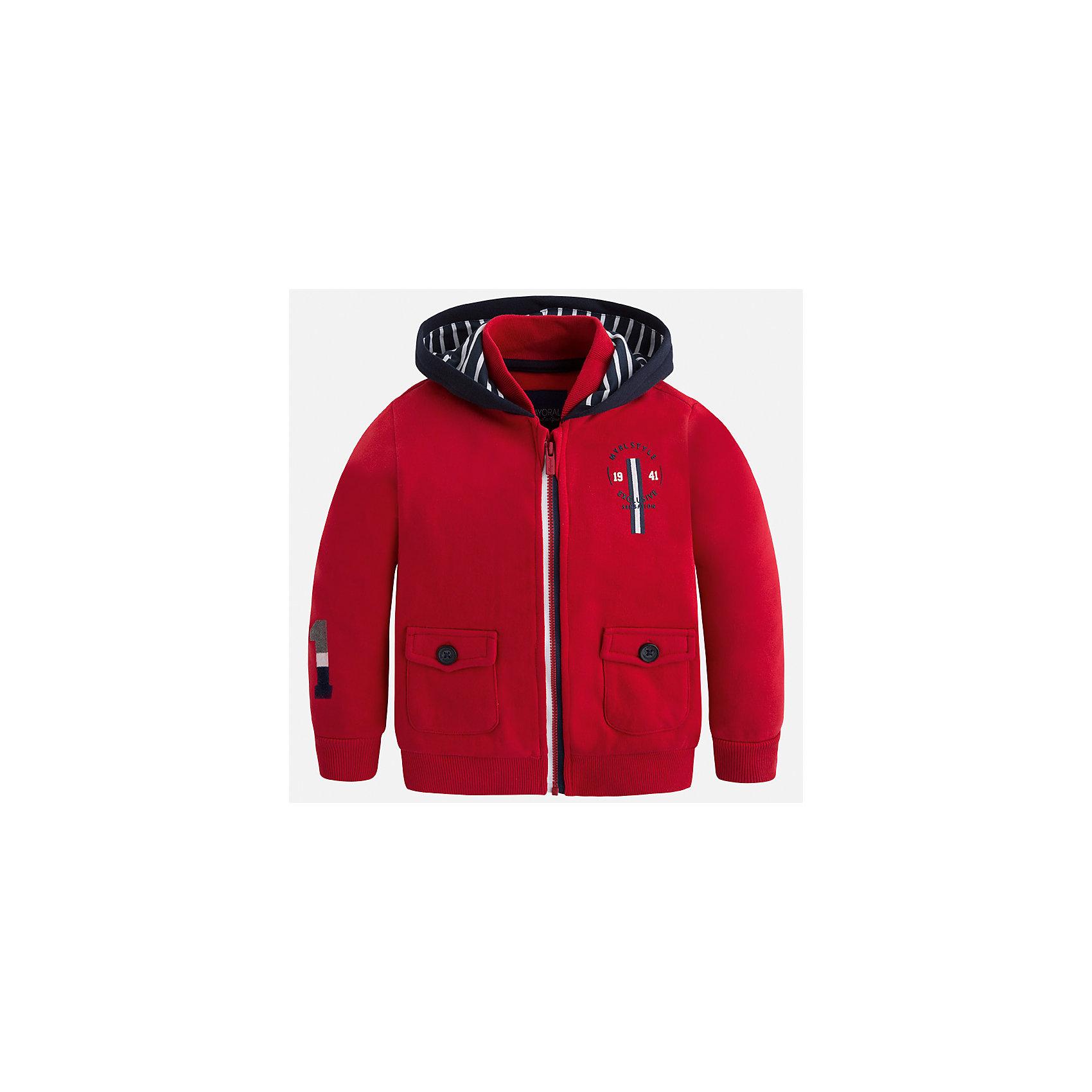 Куртка для мальчика MayoralДемисезонные куртки<br>Характеристики товара:<br><br>• цвет: красный<br>• состав ткани: 100% хлопок<br>• сезон: демисезон<br>• особенности толстовки: с манжетами, на молнии<br>• капюшон: без меха, несъемный<br>• застежка: молния<br>• страна бренда: Испания<br>• страна изготовитель: Индия<br><br>Такая детская толстовка от Mayoral дополнена удобными карманами и капюшоном. Толстовка для мальчика сшита из приятного на ощупь хлопкового материала. Детская одежда от испанской компании Mayoral, как и эта яркая толстовка для мальчика, отличается оригинальным и всегда стильным дизайном. Качество продукции неизменно очень высокое. <br><br>Толстовку для мальчика Mayoral (Майорал) можно купить в нашем интернет-магазине.<br><br>Ширина мм: 356<br>Глубина мм: 10<br>Высота мм: 245<br>Вес г: 519<br>Цвет: красный<br>Возраст от месяцев: 96<br>Возраст до месяцев: 108<br>Пол: Мужской<br>Возраст: Детский<br>Размер: 134,92,98,104,110,122,116,128<br>SKU: 6932825
