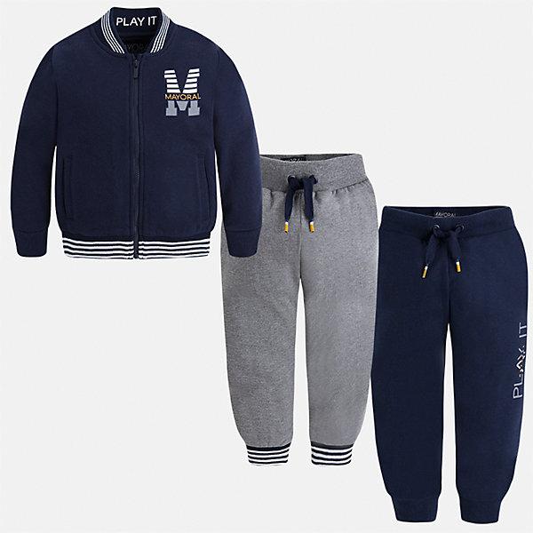 Спортивный костюм для мальчика MayoralКомплекты<br>Характеристики товара:<br><br>• цвет: синий<br>• состав ткани: 60% хлопок, 40% полиэстер<br>• комплектация: куртка, 2 брюк<br>• сезон: демисезон<br>• особенности модели: спортивный стиль<br>• застежка: молния<br>• длинные рукава<br>• пояс брюк: резинка, шнурок<br>• страна бренда: Испания<br>• страна изготовитель: Индия<br><br>Этот детский комплект из спортивной курточки и двух брюк подойдет для занятий спортом. Отличный способ обеспечить ребенку тепло и комфорт - надеть детский спортивный костюм от Mayoral. Детский спортивный костюм сшит из приятного на ощупь материала. Спортивный костюм для мальчика Mayoral удобно сидит по фигуре.<br><br>Спортивный костюм для мальчика Mayoral (Майорал) можно купить в нашем интернет-магазине.<br>Ширина мм: 247; Глубина мм: 16; Высота мм: 140; Вес г: 225; Цвет: темно-синий; Возраст от месяцев: 18; Возраст до месяцев: 24; Пол: Мужской; Возраст: Детский; Размер: 92,134,128,122,116,110,104,98; SKU: 6933043;