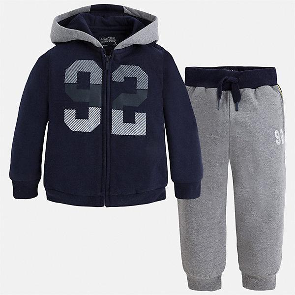 Спортивный костюм для мальчика MayoralКомплекты<br>Характеристики товара:<br><br>• цвет: темно-синий/серый<br>• состав ткани: 60% хлопок, 40% полиэстер<br>• комплектация: куртка, брюки<br>• сезон: демисезон<br>• особенности модели: спортивный стиль<br>• застежка: молния<br>• длинные рукава<br>• пояс брюк: резинка, шнурок<br>• страна бренда: Испания<br>• страна изготовитель: Индия<br><br> Такой детский комплект из спортивной курточки и брюк подойдет для занятий спортом. Отличный способ обеспечить ребенку тепло и комфорт - надеть детский спортивный костюм от Mayoral. Детский спортивный костюм сшит из приятного на ощупь материала. Спортивный костюм для мальчика Mayoral удобно сидит по фигуре.<br><br>Спортивный костюм для мальчика Mayoral (Майорал) можно купить в нашем интернет-магазине.<br><br>Ширина мм: 247<br>Глубина мм: 16<br>Высота мм: 140<br>Вес г: 225<br>Цвет: сине-серый<br>Возраст от месяцев: 18<br>Возраст до месяцев: 24<br>Пол: Мужской<br>Возраст: Детский<br>Размер: 92,134,128,122,116,110,104,98<br>SKU: 6933070