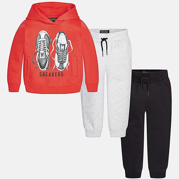 Спортивный костюм для мальчика MayoralКомплекты<br>Характеристики товара:<br><br>• цвет: оранжевый/серый/черный<br>• состав ткани: 60% хлопок, 40% полиэстер<br>• комплектация: куртка, 2 брюк<br>• сезон: демисезон<br>• особенности модели: спортивный стиль<br>• капюшон<br>• длинные рукава<br>• пояс брюк: резинка, шнурок<br>• страна бренда: Испания<br>• страна изготовитель: Индия<br><br>Удобный детский комплект из спортивной курточки и двух брюк подойдет для занятий спортом. Отличный способ обеспечить ребенку тепло и комфорт - надеть детский спортивный костюм от Mayoral. Детский спортивный костюм сшит из приятного на ощупь материала. Спортивный костюм для мальчика Mayoral удобно сидит по фигуре.<br><br>Спортивный костюм для мальчика Mayoral (Майорал) можно купить в нашем интернет-магазине.<br><br>Ширина мм: 247<br>Глубина мм: 16<br>Высота мм: 140<br>Вес г: 225<br>Цвет: серый/оранжевый<br>Возраст от месяцев: 96<br>Возраст до месяцев: 108<br>Пол: Мужской<br>Возраст: Детский<br>Размер: 134,92,98,104,110,116,122,128<br>SKU: 6933097