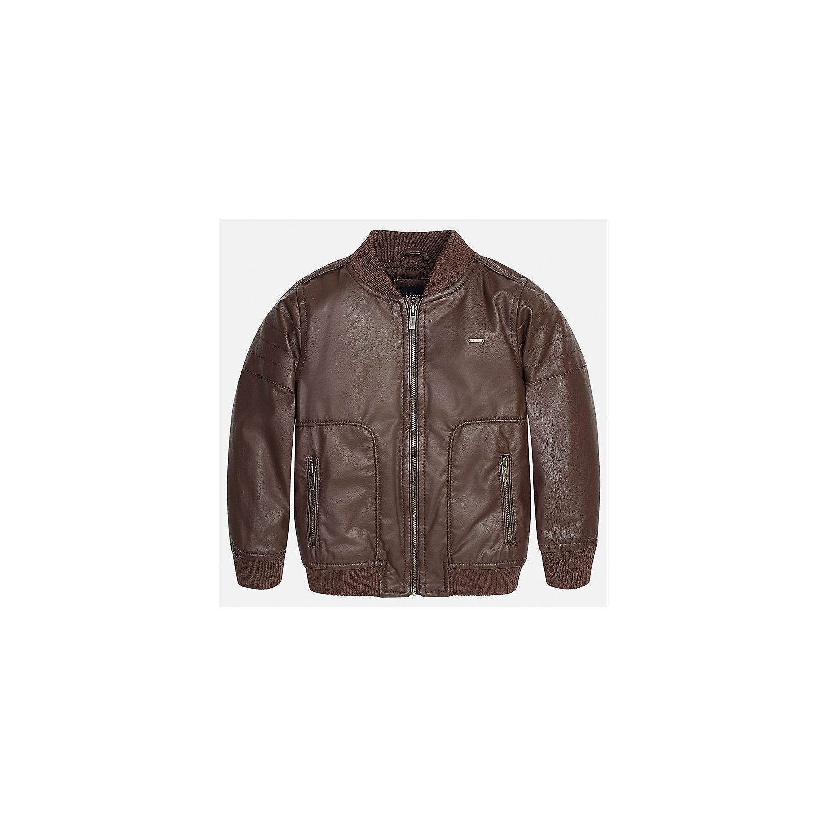 Куртка для мальчика MayoralДемисезонные куртки<br>Характеристики товара:<br><br>• цвет: коричневый<br>• состав ткани: 100% полиуретан<br>• подкладка: 100% полиэстер<br>• утеплитель: 100% полиэстер<br>• сезон: демисезон<br>• температурный режим: от +5 до +15<br>• особенности куртки: на молнии<br>• застежка: молния<br>• страна бренда: Испания<br>• страна изготовитель: Индия<br><br>Детская куртка сделана из материала под кожу. Благодаря качественной ткани детской куртки для мальчика создаются комфортные условия для тела. Коричневая куртка для мальчика отличается стильным продуманным дизайном.<br><br>Куртку для мальчика Mayoral (Майорал) можно купить в нашем интернет-магазине.<br><br>Ширина мм: 356<br>Глубина мм: 10<br>Высота мм: 245<br>Вес г: 519<br>Цвет: коричневый<br>Возраст от месяцев: 96<br>Возраст до месяцев: 108<br>Пол: Мужской<br>Возраст: Детский<br>Размер: 134,92,98,104,110,116,122,128<br>SKU: 6934432