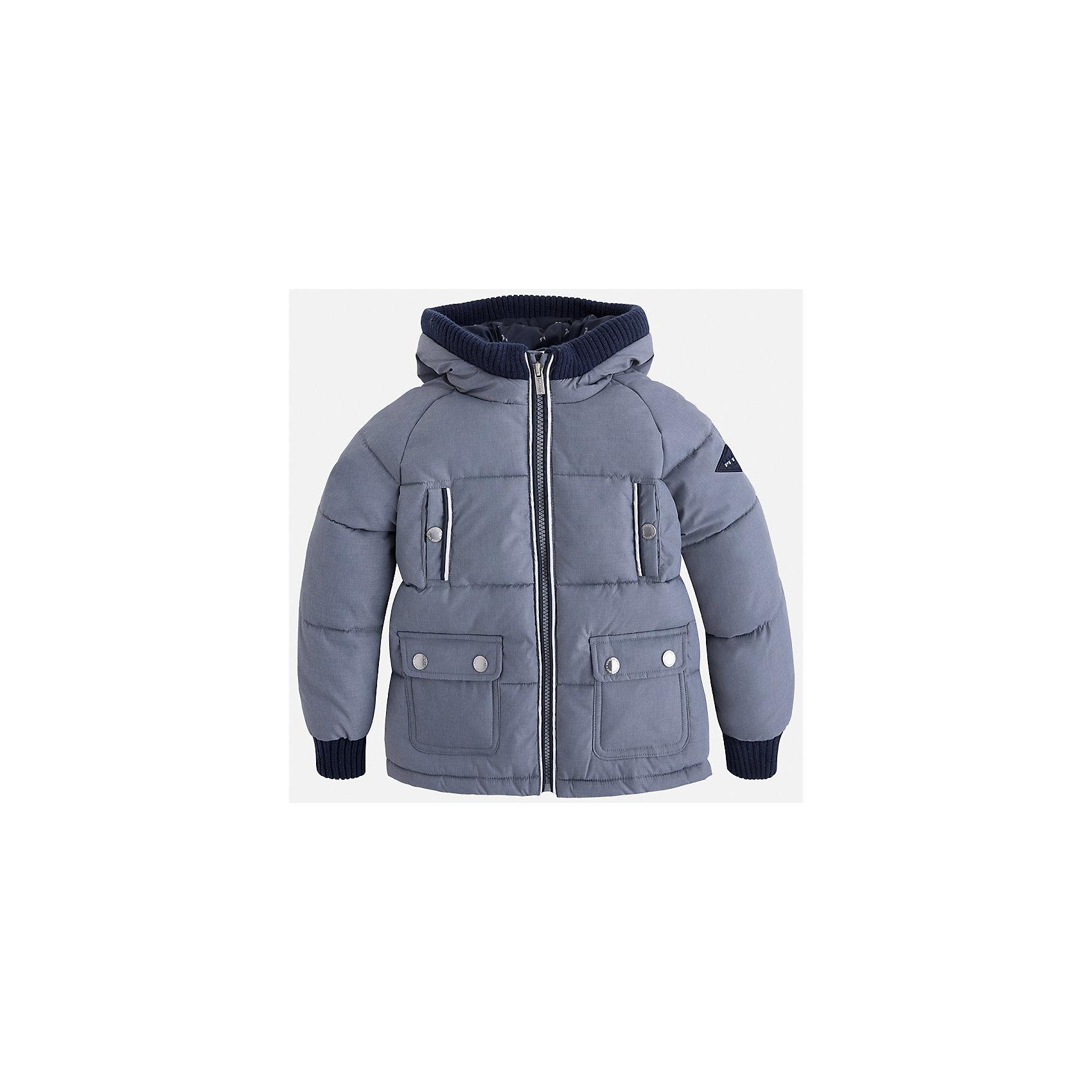 Куртка для мальчика MayoralДемисезонные куртки<br>Характеристики товара:<br><br>• цвет: серый<br>• состав ткани: 65% полиамид, 35% полиэстер<br>• подкладка: 100% полиэстер<br>• утеплитель: 100% полиэстер<br>• сезон: демисезон<br>• температурный режим: от -10 до +10<br>• особенности куртки: дутая, с капюшоном<br>• капюшон: несъемный<br>• застежка: молния<br>• страна бренда: Испания<br>• страна изготовитель: Индия<br><br>Теплая демисезонная детская куртка подойдет для переменной погоды. Отличный способ обеспечить ребенку тепло и комфорт - надеть теплую куртку от Mayoral. Детская куртка сшита из приятного на ощупь материала. Куртка для мальчика Mayoral дополнена теплой подкладкой. <br><br>Куртку для мальчика Mayoral (Майорал) можно купить в нашем интернет-магазине.<br><br>Ширина мм: 356<br>Глубина мм: 10<br>Высота мм: 245<br>Вес г: 519<br>Цвет: серый<br>Возраст от месяцев: 96<br>Возраст до месяцев: 108<br>Пол: Мужской<br>Возраст: Детский<br>Размер: 134,92,98,104,110,116,122,128<br>SKU: 6934580