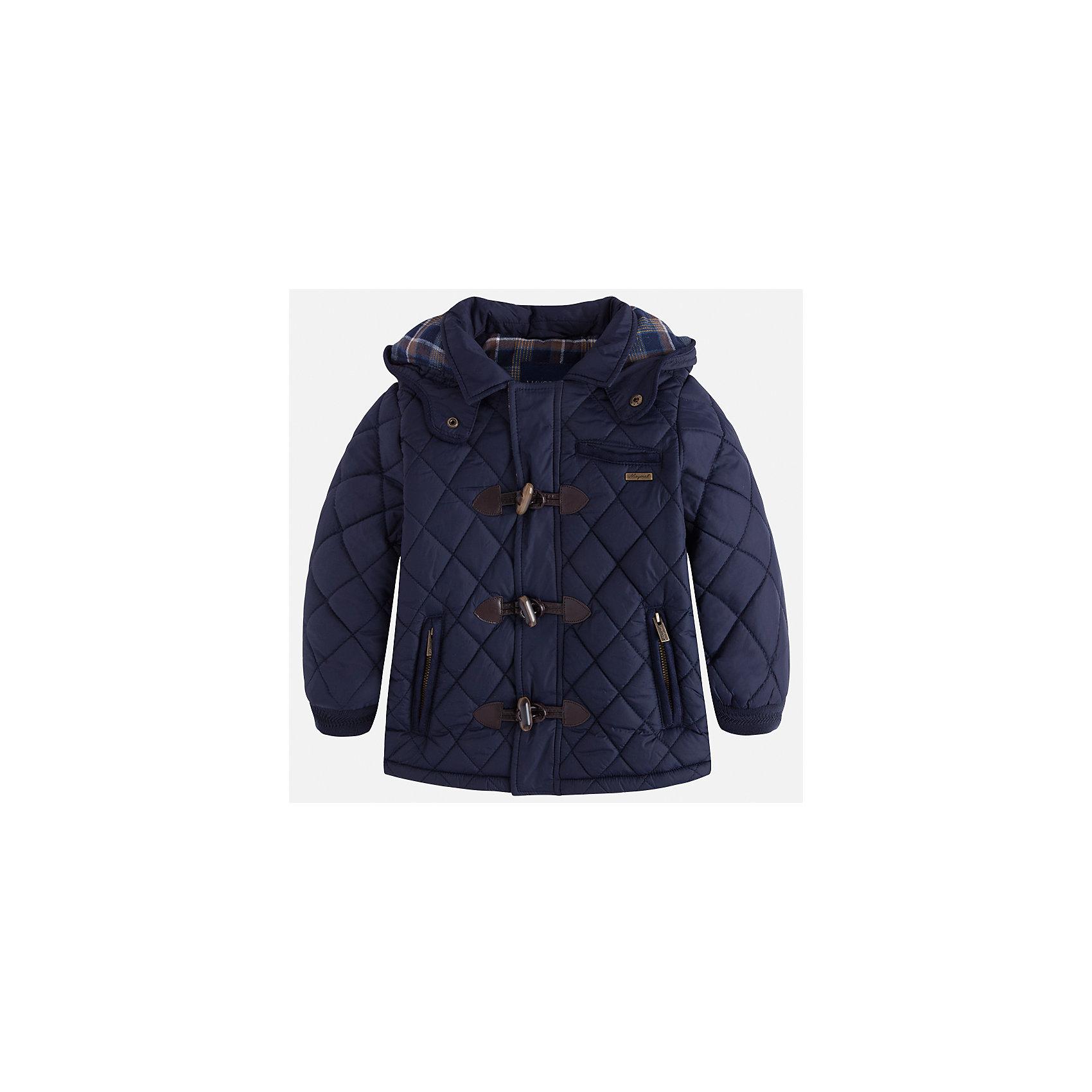 Куртка Mayoral для мальчикаДемисезонные куртки<br>Характеристики товара:<br><br>• цвет: синий<br>• состав ткани: 100% полиамид<br>• подкладка: 100% хлопок<br>• утеплитель: 100% полиэстер<br>• сезон: демисезон<br>• температурный режим: от +5 до +15<br>• особенности куртки: стеганая, с капюшоном<br>• капюшон: несъемный<br>• застежка: молния, пуговицы<br>• страна бренда: Испания<br>• страна изготовитель: Индия<br><br>Легкая демисезонная детская куртка подойдет для переменной погоды. Отличный способ обеспечить ребенку тепло и комфорт - надеть теплую куртку от Mayoral. Детская куртка сшита из приятного на ощупь материала. Куртка для мальчика Mayoral дополнена теплой подкладкой. <br><br>Куртку для мальчика Mayoral (Майорал) можно купить в нашем интернет-магазине.<br><br>Ширина мм: 356<br>Глубина мм: 10<br>Высота мм: 245<br>Вес г: 519<br>Цвет: синий<br>Возраст от месяцев: 72<br>Возраст до месяцев: 84<br>Пол: Мужской<br>Возраст: Детский<br>Размер: 122,128,134,92,98,104,110,116<br>SKU: 6934607