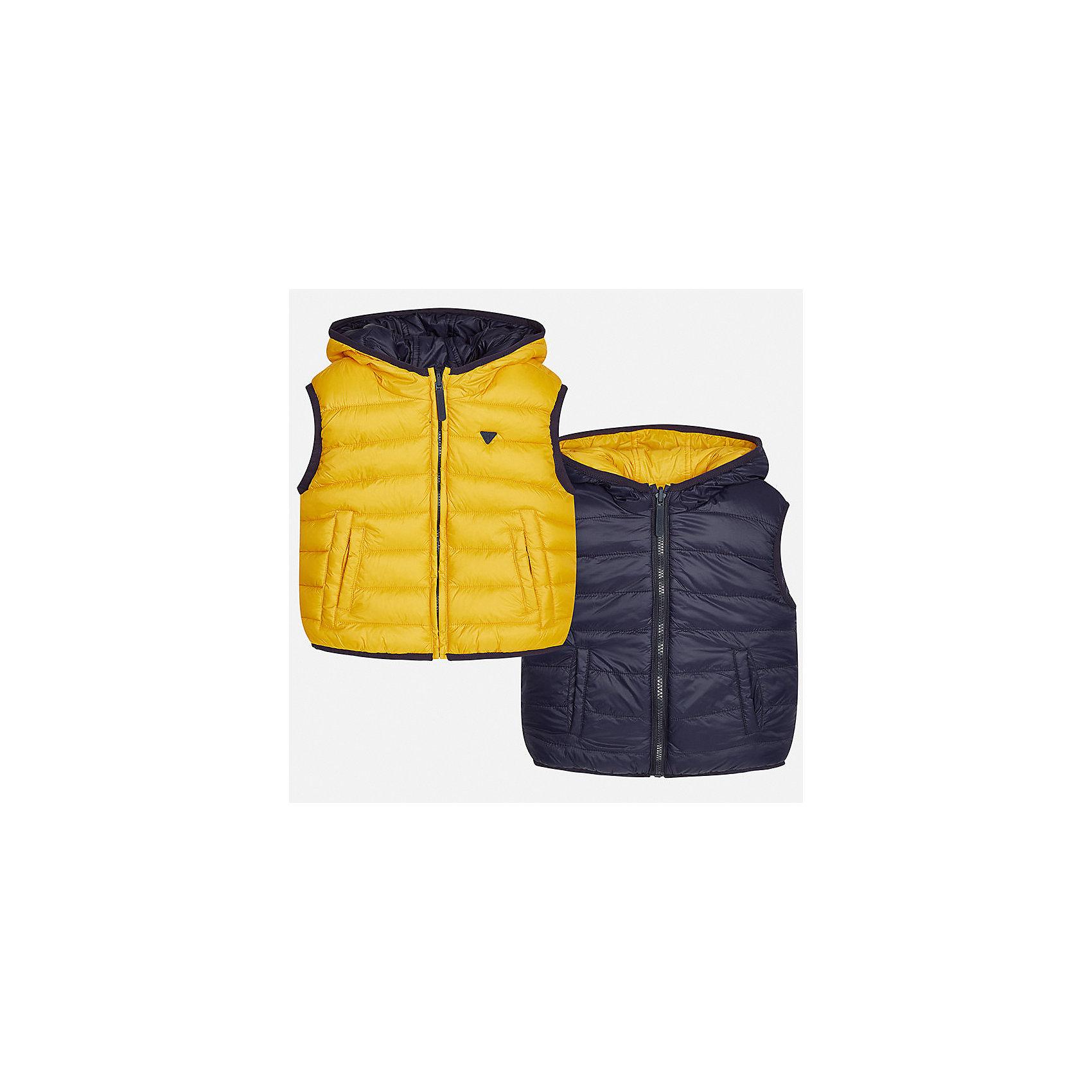 Жилет для мальчика MayoralВерхняя одежда<br>Характеристики товара:<br><br>• цвет: оранжевый<br>• состав ткани: 100% полиамид<br>• подкладка: 100% полиамид<br>• утеплитель: 100% полиэстер<br>• сезон: демисезон<br>• особенности модели: двусторонний, с капюшоном<br>• капюшон: несъемный<br>• застежка: молния<br>• страна бренда: Испания<br>• страна изготовитель: Индия<br><br>Двусторонний детский жилет сделан из качественного материала. Благодаря продуманному крою детского жилета создаются комфортные условия для тела. Жилет для мальчика отличается стильный дизайном.<br><br>Жилет для мальчика Mayoral (Майорал) можно купить в нашем интернет-магазине.<br><br>Ширина мм: 190<br>Глубина мм: 74<br>Высота мм: 229<br>Вес г: 236<br>Цвет: оранжевый<br>Возраст от месяцев: 96<br>Возраст до месяцев: 108<br>Пол: Мужской<br>Возраст: Детский<br>Размер: 134,92,98,104,110,116,122,128<br>SKU: 6934652