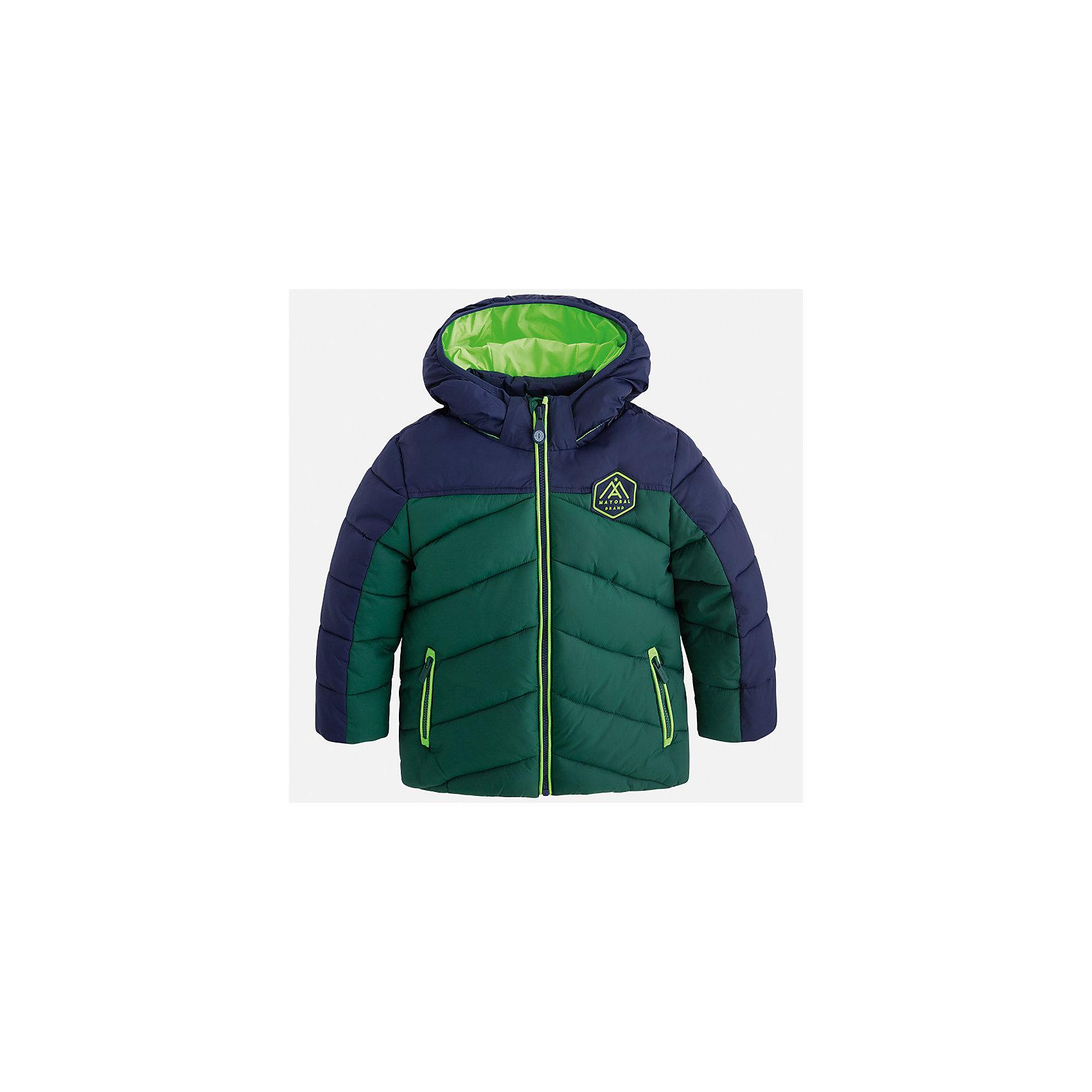 Куртка для мальчика MayoralДемисезонные куртки<br>Характеристики товара:<br><br>• цвет: зеленый<br>• состав ткани: 100% полиамид<br>• подкладка: 100% полиамид<br>• утеплитель: 100% полиэстер<br>• сезон: демисезон<br>• температурный режим: от -10 до +10<br>• особенности модели: с капюшоном, дутая, стеганая<br>• карманы на молнии<br>• застежка: пуговицы<br>• страна бренда: Испания<br>• страна изготовитель: Индия<br><br>Яркая демисезонная куртка для мальчика от Майорал поможет обеспечить ребенку комфорт и тепло. Детская куртка с капюшоном отличается модным и продуманным дизайном. В куртке для мальчика от испанской компании Майорал ребенок будет выглядеть модно, а чувствовать себя - комфортно. <br><br>Куртку для мальчика Mayoral (Майорал) можно купить в нашем интернет-магазине.<br><br>Ширина мм: 356<br>Глубина мм: 10<br>Высота мм: 245<br>Вес г: 519<br>Цвет: зеленый<br>Возраст от месяцев: 96<br>Возраст до месяцев: 108<br>Пол: Мужской<br>Возраст: Детский<br>Размер: 134,92,98,104,110,116,122,128<br>SKU: 6934778