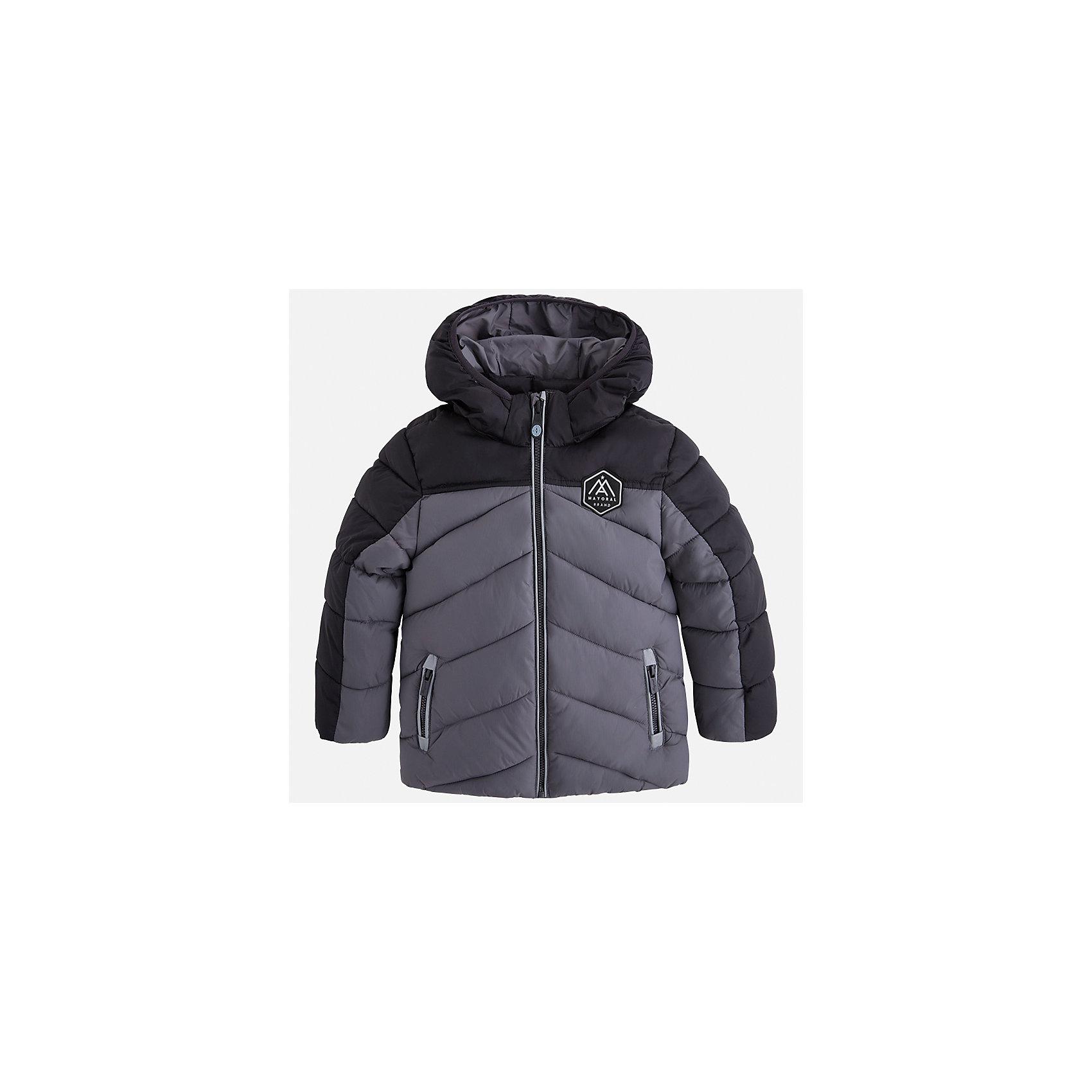 Куртка для мальчика MayoralВерхняя одежда<br>Характеристики товара:<br><br>• цвет: серый<br>• состав ткани: 100% полиамид<br>• подкладка: 100% полиамид<br>• утеплитель: 100% полиэстер<br>• сезон: демисезон<br>• температурный режим: от -10 до +10<br>• особенности модели: с капюшоном, дутая, стеганая<br>• карманы на молнии<br>• застежка: пуговицы<br>• страна бренда: Испания<br>• страна изготовитель: Индия<br><br>Стильная демисезонная детская куртка подойдет для переменной погоды. Отличный способ обеспечить ребенку тепло и комфорт - надеть теплую куртку от Mayoral. Детская куртка сшита из приятного на ощупь материала. Куртка для мальчика Mayoral дополнена теплой подкладкой.<br><br>Куртку для мальчика Mayoral (Майорал) можно купить в нашем интернет-магазине.<br><br>Ширина мм: 356<br>Глубина мм: 10<br>Высота мм: 245<br>Вес г: 519<br>Цвет: серый<br>Возраст от месяцев: 96<br>Возраст до месяцев: 108<br>Пол: Мужской<br>Возраст: Детский<br>Размер: 134,92,98,104,110,116,122,128<br>SKU: 6934787