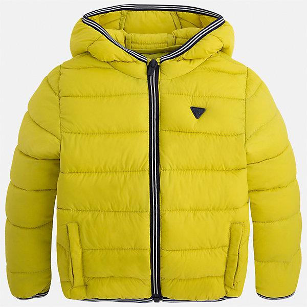 Куртка для мальчика MayoralВерхняя одежда<br>Характеристики товара:<br><br>• цвет: зеленый<br>• состав ткани: 100% полиамид<br>• подкладка: 100% полиамид<br>• утеплитель: 100% полиэстер<br>• сезон: демисезон<br>• температурный режим: от -10 до +10<br>• особенности модели: с капюшоном, сумка в комплекте<br>• капюшон: несъемный<br>• застежка: молния<br>• страна бренда: Испания<br>• страна изготовитель: Индия<br><br>Яркая детская куртка сделана из легкого, но теплого материала. Благодаря качественной ткани детской куртки для мальчика создаются комфортные условия для тела. Эта куртка для мальчика отличается стильным продуманным дизайном.<br><br>Куртку для мальчика Mayoral (Майорал) можно купить в нашем интернет-магазине.<br><br>Ширина мм: 356<br>Глубина мм: 10<br>Высота мм: 245<br>Вес г: 519<br>Цвет: зеленый<br>Возраст от месяцев: 18<br>Возраст до месяцев: 24<br>Пол: Мужской<br>Возраст: Детский<br>Размер: 92,134,128,122,116,110,104,98<br>SKU: 6934848