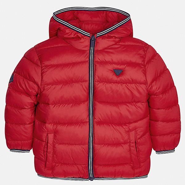 Куртка для мальчика MayoralВерхняя одежда<br>Характеристики товара:<br><br>• цвет: красный<br>• состав ткани: 100% полиамид<br>• подкладка: 100% полиамид<br>• утеплитель: 100% полиэстер<br>• сезон: демисезон<br>• температурный режим: от -10 до +10<br>• особенности модели: с капюшоном, сумка в комплекте<br>• капюшон: несъемный<br>• застежка: молния<br>• страна бренда: Испания<br>• страна изготовитель: Индия<br><br>Красная демисезонная куртка для мальчика от Майорал поможет обеспечить ребенку комфорт и тепло. Детская куртка с капюшоном отличается модным и продуманным дизайном. В куртке для мальчика от испанской компании Майорал ребенок будет выглядеть модно, а чувствовать себя - комфортно. <br><br>Куртку для мальчика Mayoral (Майорал) можно купить в нашем интернет-магазине.<br>Ширина мм: 356; Глубина мм: 10; Высота мм: 245; Вес г: 519; Цвет: красный; Возраст от месяцев: 84; Возраст до месяцев: 96; Пол: Мужской; Возраст: Детский; Размер: 128,134,92,98,104,110,116,122; SKU: 6934857;
