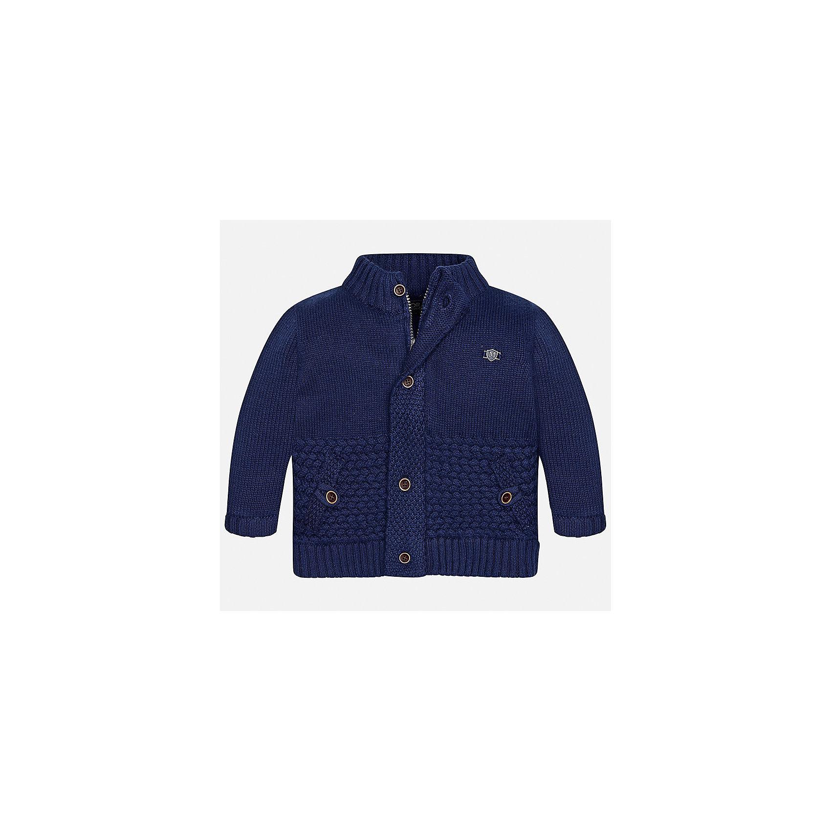 Кардиган Mayoral для мальчикаТолстовки, свитера, кардиганы<br>Характеристики товара:<br><br>• цвет: синий<br>• состав ткани: 50% акрил, 45% полиамид, 5% шерсть<br>• сезон: демисезон<br>• особенности модели: вязаный<br>• застежка: пуговицы<br>• длинные рукава<br>• страна бренда: Испания<br>• страна изготовитель: Индия<br><br>Модный кардиган для мальчика от Майорал поможет обеспечить ребенку комфорт и тепло. Детский кардиган с капюшоном отличается модным и продуманным дизайном. В кардигане для мальчика от испанской компании Майорал ребенок будет выглядеть модно, а чувствовать себя - комфортно. <br><br>Кардиган для мальчика Mayoral (Майорал) можно купить в нашем интернет-магазине.<br><br>Ширина мм: 190<br>Глубина мм: 74<br>Высота мм: 229<br>Вес г: 236<br>Цвет: синий<br>Возраст от месяцев: 6<br>Возраст до месяцев: 9<br>Пол: Мужской<br>Возраст: Детский<br>Размер: 74,86,92,98,80<br>SKU: 6935129