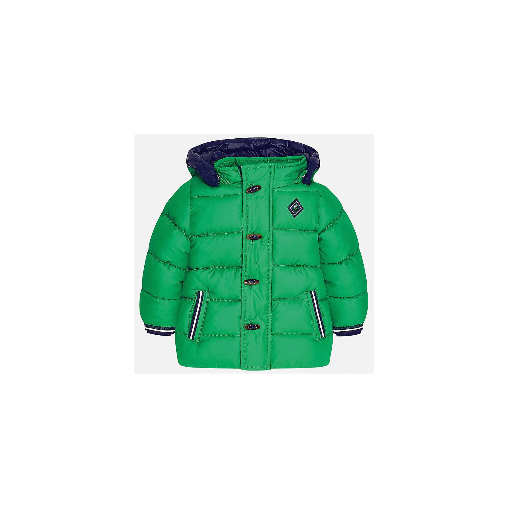 Куртка Mayoral для мальчикаВерхняя одежда<br>Характеристики товара:<br><br>• цвет: зеленый<br>• состав ткани: 100% полиэстер<br>• подкладка: 100% полиэстер<br>• утеплитель: 100% полиэстер<br>• сезон: демисезон<br>• температурный режим: от -10 до +10<br>• особенности модели: с капюшоном, дутая<br>• капюшон: съемный<br>• застежка: молния, пуговицы<br>• страна бренда: Испания<br>• страна изготовитель: Индия<br><br>Эта демисезонная детская куртка подойдет для переменной погоды. Отличный способ обеспечить ребенку тепло и комфорт - надеть теплую куртку от Mayoral. Детская куртка сшита из приятного на ощупь материала. Куртка для мальчика Mayoral дополнена теплой подкладкой.<br><br>Куртку для мальчика Mayoral (Майорал) можно купить в нашем интернет-магазине.<br><br>Ширина мм: 356<br>Глубина мм: 10<br>Высота мм: 245<br>Вес г: 519<br>Цвет: зеленый<br>Возраст от месяцев: 12<br>Возраст до месяцев: 15<br>Пол: Мужской<br>Возраст: Детский<br>Размер: 80,98,86,92<br>SKU: 6935135