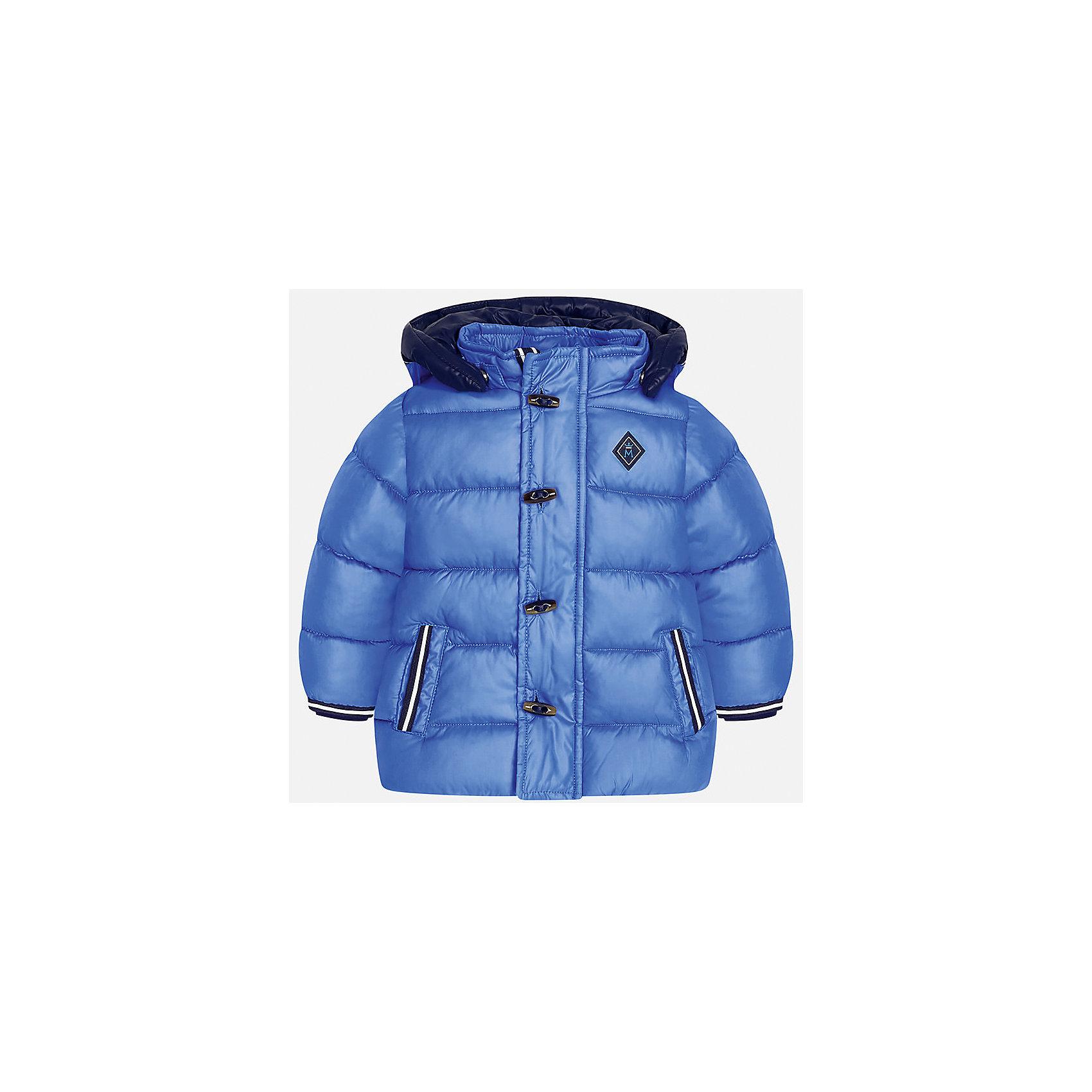 Куртка для мальчика MayoralВерхняя одежда<br>Характеристики товара:<br><br>• цвет: голубой<br>• состав ткани: 100% полиэстер<br>• подкладка: 100% полиэстер<br>• утеплитель: 100% полиэстер<br>• сезон: демисезон<br>• температурный режим: от -10 до +10<br>• особенности модели: с капюшоном, дутая<br>• капюшон: съемный<br>• застежка: молния, пуговицы<br>• страна бренда: Испания<br>• страна изготовитель: Индия<br><br>Модная детская куртка сделана из легкого, но теплого материала. Благодаря качественной ткани детской куртки для мальчика создаются комфортные условия для тела. Эта куртка для мальчика отличается стильным продуманным дизайном.<br><br>Куртку для мальчика Mayoral (Майорал) можно купить в нашем интернет-магазине.<br><br>Ширина мм: 356<br>Глубина мм: 10<br>Высота мм: 245<br>Вес г: 519<br>Цвет: голубой<br>Возраст от месяцев: 24<br>Возраст до месяцев: 36<br>Пол: Мужской<br>Возраст: Детский<br>Размер: 98,80,86,92<br>SKU: 6935140