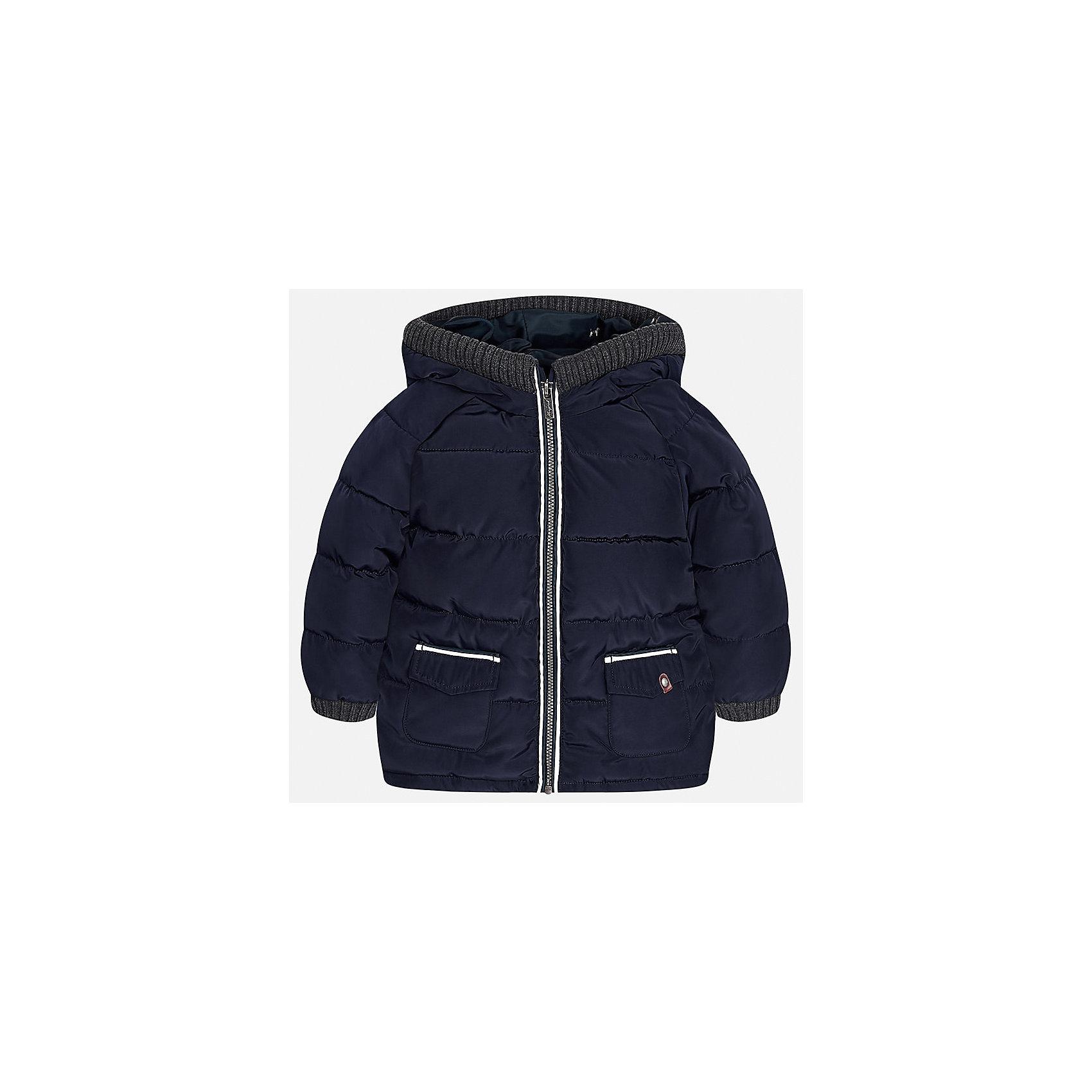 Куртка для мальчика MayoralВерхняя одежда<br>Характеристики товара:<br><br>• цвет: синий<br>• состав ткани: 100% полиэстер<br>• подкладка: 100% полиэстер<br>• утеплитель: 100% полиэстер<br>• сезон: демисезон<br>• температурный режим: от -10 до +10<br>• особенности модели: с капюшоном, дутая<br>• капюшон: несъемный<br>• застежка: молния<br>• страна бренда: Испания<br>• страна изготовитель: Индия<br><br>Теплая демисезонная куртка для мальчика от Майорал поможет обеспечить ребенку комфорт и тепло. Детская куртка с капюшоном отличается модным и продуманным дизайном. В куртке для мальчика от испанской компании Майорал ребенок будет выглядеть модно, а чувствовать себя - комфортно. <br><br>Куртку для мальчика Mayoral (Майорал) можно купить в нашем интернет-магазине.<br><br>Ширина мм: 356<br>Глубина мм: 10<br>Высота мм: 245<br>Вес г: 519<br>Цвет: синий<br>Возраст от месяцев: 18<br>Возраст до месяцев: 24<br>Пол: Мужской<br>Возраст: Детский<br>Размер: 92,98,80,86<br>SKU: 6935160
