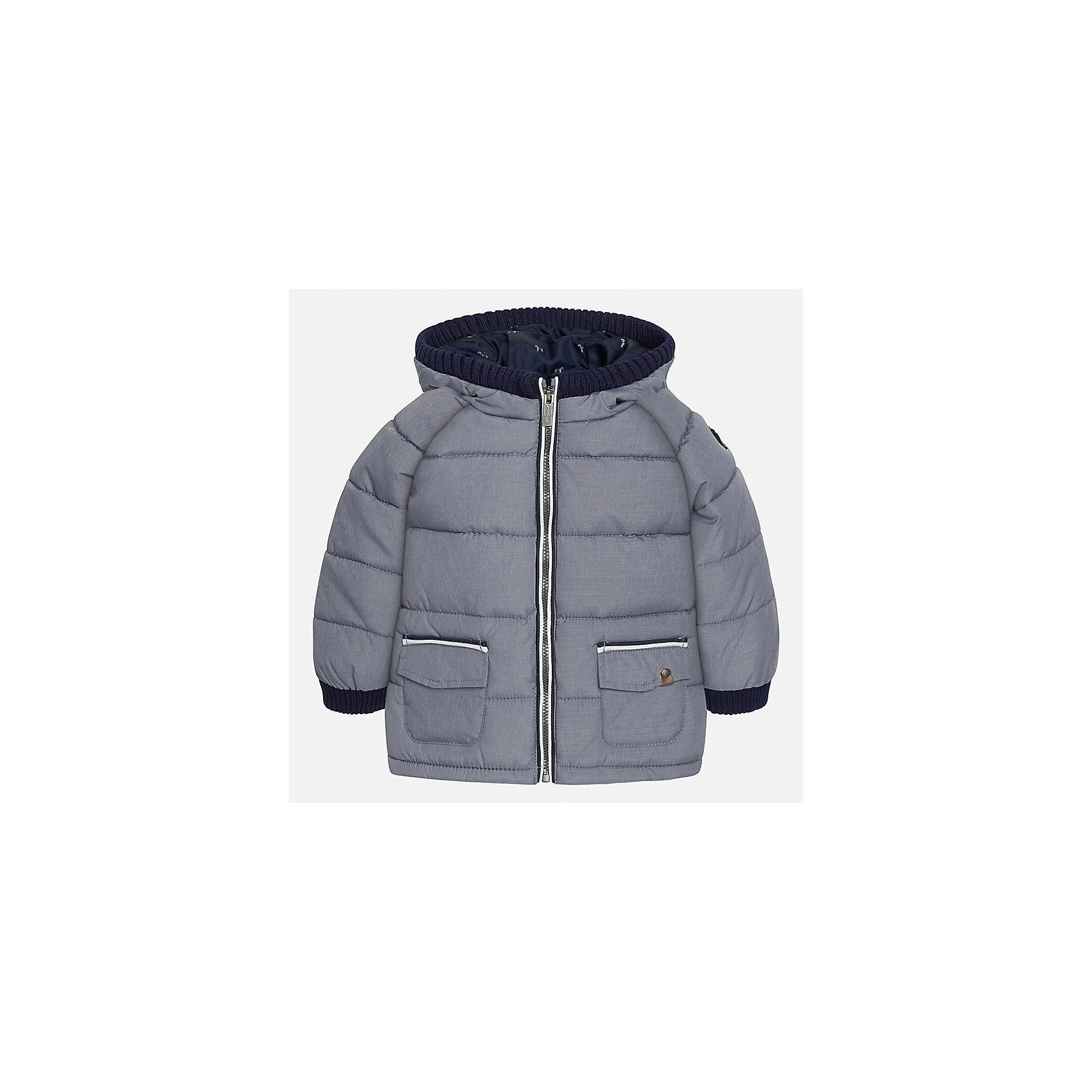 Куртка для мальчика MayoralВерхняя одежда<br>Характеристики товара:<br><br>• цвет: серый<br>• состав ткани: 100% полиэстер<br>• подкладка: 100% полиэстер<br>• утеплитель: 100% полиэстер<br>• сезон: демисезон<br>• температурный режим: от -10 до +10<br>• особенности модели: с капюшоном, дутая<br>• капюшон: съемный<br>• застежка: молния, пуговицы<br>• страна бренда: Испания<br>• страна изготовитель: Индия<br><br>Серая демисезонная детская куртка подойдет для переменной погоды. Отличный способ обеспечить ребенку тепло и комфорт - надеть теплую куртку от Mayoral. Детская куртка сшита из приятного на ощупь материала. Куртка для мальчика Mayoral дополнена теплой подкладкой.<br><br>Куртку для мальчика Mayoral (Майорал) можно купить в нашем интернет-магазине.<br><br>Ширина мм: 356<br>Глубина мм: 10<br>Высота мм: 245<br>Вес г: 519<br>Цвет: серый<br>Возраст от месяцев: 24<br>Возраст до месяцев: 36<br>Пол: Мужской<br>Возраст: Детский<br>Размер: 98,80,86,92<br>SKU: 6935165