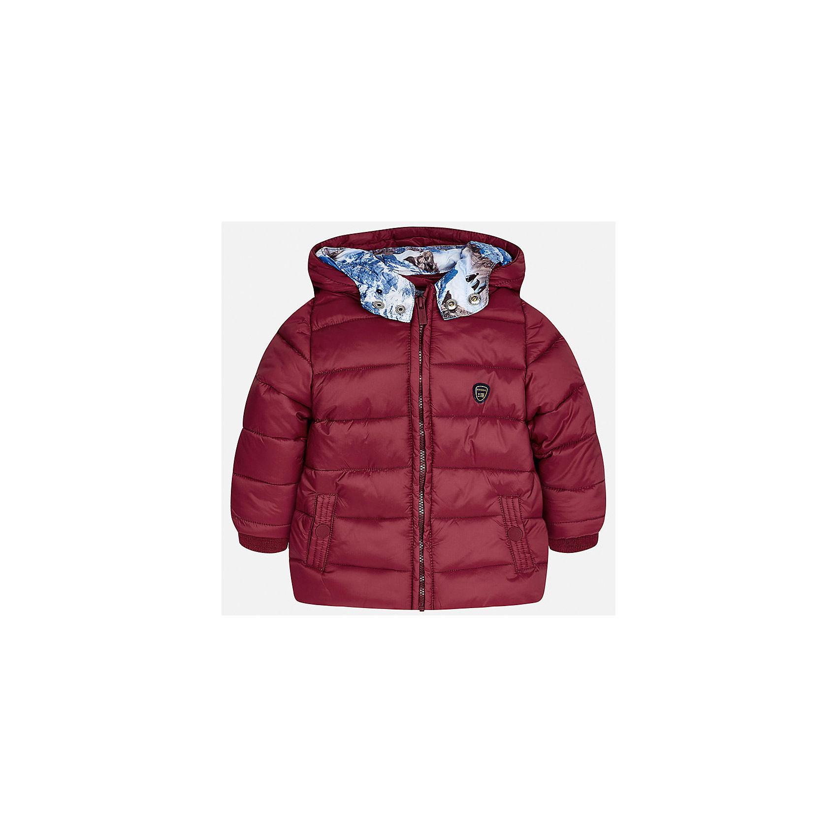 Куртка Mayoral для мальчикаВерхняя одежда<br>Характеристики товара:<br><br>• цвет: красный<br>• состав ткани: 100% полиамид<br>• подкладка: 100% полиэстер<br>• утеплитель: 100% полиэстер<br>• сезон: демисезон<br>• температурный режим: от -10 до +10<br>• особенности модели: с капюшоном, дутая<br>• капюшон: несъемный<br>• застежка: молния<br>• страна бренда: Испания<br>• страна изготовитель: Индия<br><br>Стильная детская куртка сделана из легкого, но теплого материала. Благодаря качественной ткани детской куртки для мальчика создаются комфортные условия для тела. Эта куртка для мальчика отличается стильным продуманным дизайном.<br><br>Куртку для мальчика Mayoral (Майорал) можно купить в нашем интернет-магазине.<br><br>Ширина мм: 356<br>Глубина мм: 10<br>Высота мм: 245<br>Вес г: 519<br>Цвет: розовый<br>Возраст от месяцев: 12<br>Возраст до месяцев: 15<br>Пол: Мужской<br>Возраст: Детский<br>Размер: 80,98,86,92<br>SKU: 6935170