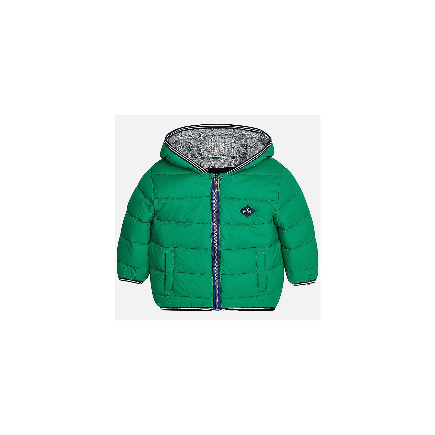 Куртка для мальчика MayoralВерхняя одежда<br>Характеристики товара:<br><br>• цвет: зеленый<br>• состав ткани: 100% полиамид<br>• подкладка: 100% полиэстер<br>• утеплитель: 100% полиэстер<br>• сезон: демисезон<br>• температурный режим: от -10 до +10<br>• особенности модели: с капюшоном, дутая, сумка в комплекте<br>• капюшон: несъемный<br>• застежка: молния<br>• страна бренда: Испания<br>• страна изготовитель: Индия<br><br>Эта детская куртка с капюшоном отличается модным и продуманным дизайном. Теплая демисезонная куртка для мальчика от Майорал поможет обеспечить ребенку комфорт и тепло. В куртке для мальчика от испанской компании Майорал ребенок будет выглядеть модно, а чувствовать себя - комфортно. <br><br>Куртку для мальчика Mayoral (Майорал) можно купить в нашем интернет-магазине.<br><br>Ширина мм: 356<br>Глубина мм: 10<br>Высота мм: 245<br>Вес г: 519<br>Цвет: зеленый<br>Возраст от месяцев: 24<br>Возраст до месяцев: 36<br>Пол: Мужской<br>Возраст: Детский<br>Размер: 98,80,86,92<br>SKU: 6935200