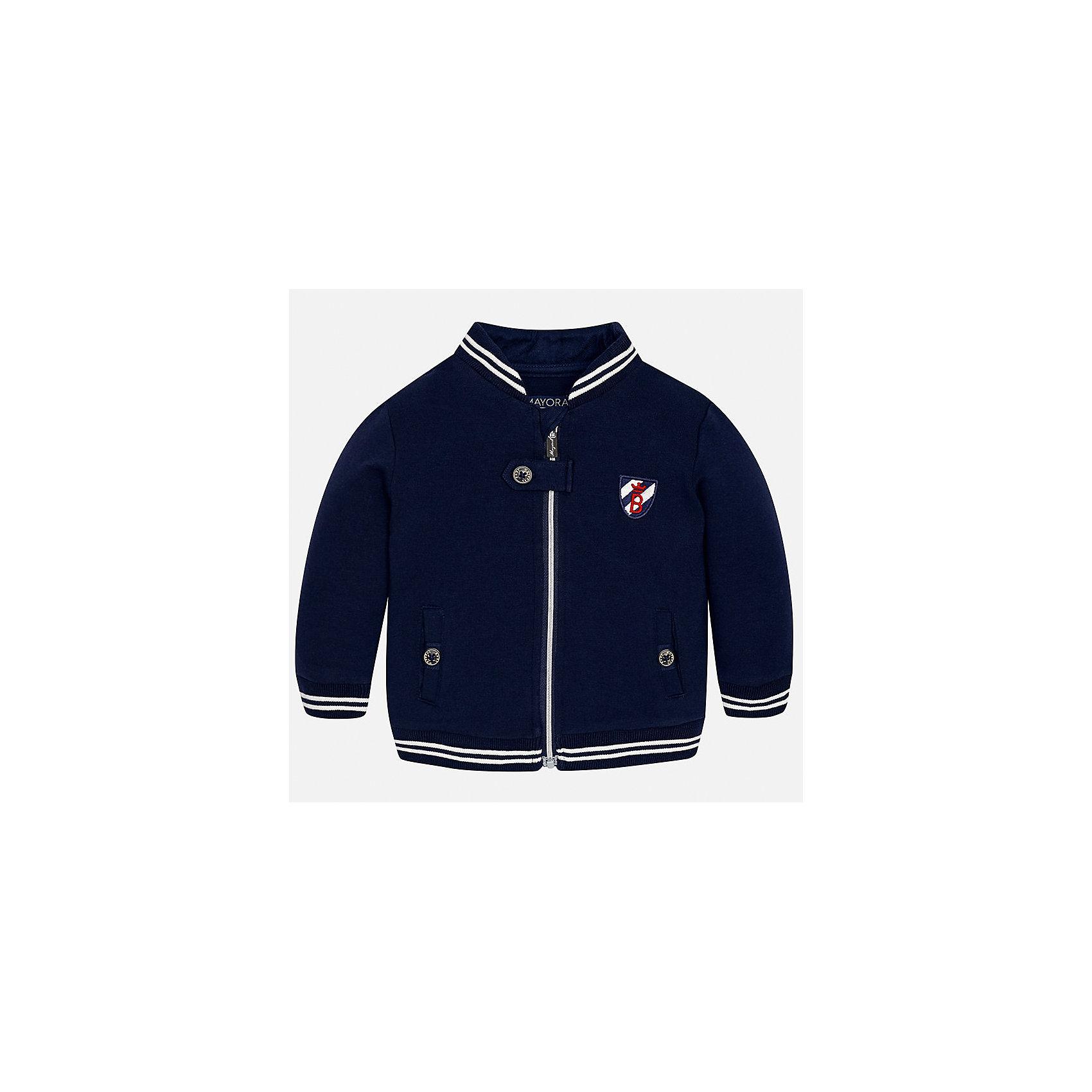 Куртка для мальчика MayoralВерхняя одежда<br>Характеристики товара:<br><br>• цвет: синий<br>• состав ткани: 63% хлопок, 32% полиэстер, 5% эластан<br>• сезон: демисезон<br>• температурный режим: от +10 до +20<br>• особенности куртки: с вышивкой, на молнии<br>• карманы<br>• застежка: молния<br>• страна бренда: Испания<br>• страна изготовитель: Индия<br><br>Эта демисезонная куртка для мальчика от Майорал поможет обеспечить ребенку комфорт и тепло. Детская куртка отличается модным и продуманным дизайном. В куртке для мальчика от испанской компании Майорал ребенок будет выглядеть модно, а чувствовать себя - комфортно. <br><br>Куртку для мальчика Mayoral (Майорал) можно купить в нашем интернет-магазине.<br><br>Ширина мм: 356<br>Глубина мм: 10<br>Высота мм: 245<br>Вес г: 519<br>Цвет: синий<br>Возраст от месяцев: 24<br>Возраст до месяцев: 36<br>Пол: Мужской<br>Возраст: Детский<br>Размер: 98,74,80,86,92<br>SKU: 6935266