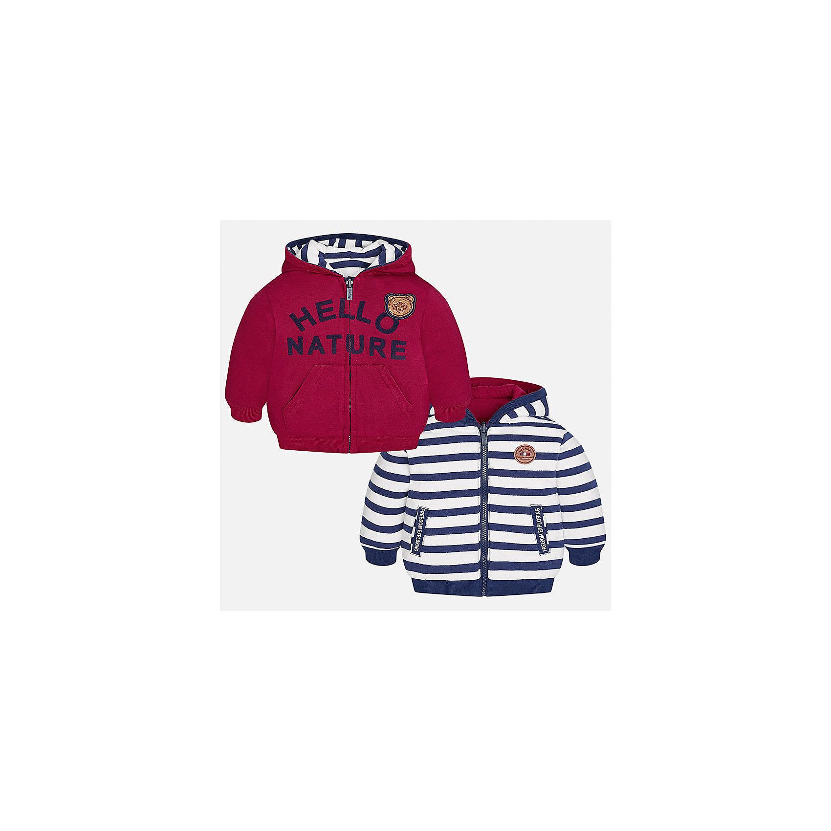 Куртка для мальчика MayoralВерхняя одежда<br>Характеристики товара:<br><br>• цвет: красный/синий/белый<br>• состав ткани: 65% хлопок, 35% полиэстер<br>• сезон: демисезон<br>• температурный режим: от +5 до +20<br>• особенности куртки: с капюшоном, двусторонняя<br>• капюшон: несъемный<br>• застежка: молния<br>• страна бренда: Испания<br>• страна изготовитель: Индия<br><br>Двусторонняя детская куртка сшита из плотного на материала. Демисезонная куртка для мальчика Mayoral дополнена накладными карманами. Теплая куртка для ребенка отличается прямым силуэтом. Детская куртка обеспечит ребенку тепло и стильный внешний вид. <br><br>Куртку для мальчика Mayoral (Майорал) можно купить в нашем интернет-магазине.<br><br>Ширина мм: 356<br>Глубина мм: 10<br>Высота мм: 245<br>Вес г: 519<br>Цвет: синий/красный<br>Возраст от месяцев: 6<br>Возраст до месяцев: 9<br>Пол: Мужской<br>Возраст: Детский<br>Размер: 74,98,92,86,80<br>SKU: 6935290