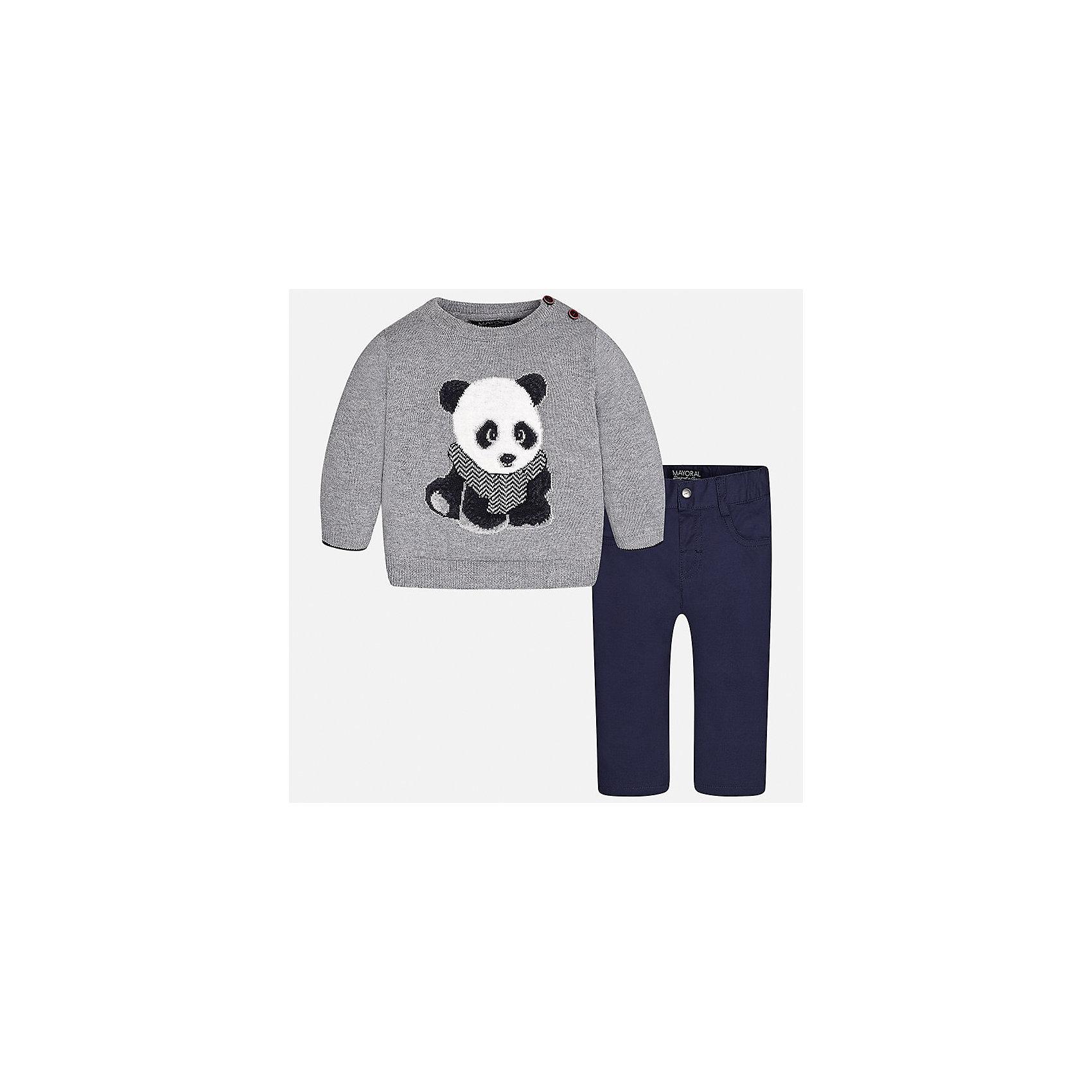Комплект: свитер и брюки для мальчика MayoralКомплекты<br>Характеристики товара:<br><br>• цвет: серый<br>• состав ткани: свитер - 60% хлопок, 30% полиамид, 10% шерсть, брюки - 100% хлопок,<br>• комплектация: свитер и брюки<br>• сезон: демисезон<br>• особенности модели: вязаный рисунок<br>• шлевки<br>• регулируемая талия<br>• застежка брюк: пуговица<br>• страна бренда: Испания<br>• страна изготовитель: Индия<br><br>Этот детский комплект из свитера и брюк подойдет для ношения в разных случаях. Отличный способ обеспечить ребенку тепло и комфорт - надеть детские брюки и свитер от Mayoral. Детские брюки сшиты из приятного на ощупь материала. Свитер для мальчика Mayoral удобно сидит по фигуре. <br><br>Комплект: свитер и брюки для мальчика Mayoral (Майорал) можно купить в нашем интернет-магазине.<br><br>Ширина мм: 215<br>Глубина мм: 88<br>Высота мм: 191<br>Вес г: 336<br>Цвет: серый<br>Возраст от месяцев: 24<br>Возраст до месяцев: 36<br>Пол: Мужской<br>Возраст: Детский<br>Размер: 98,74,80,86,92<br>SKU: 6935385