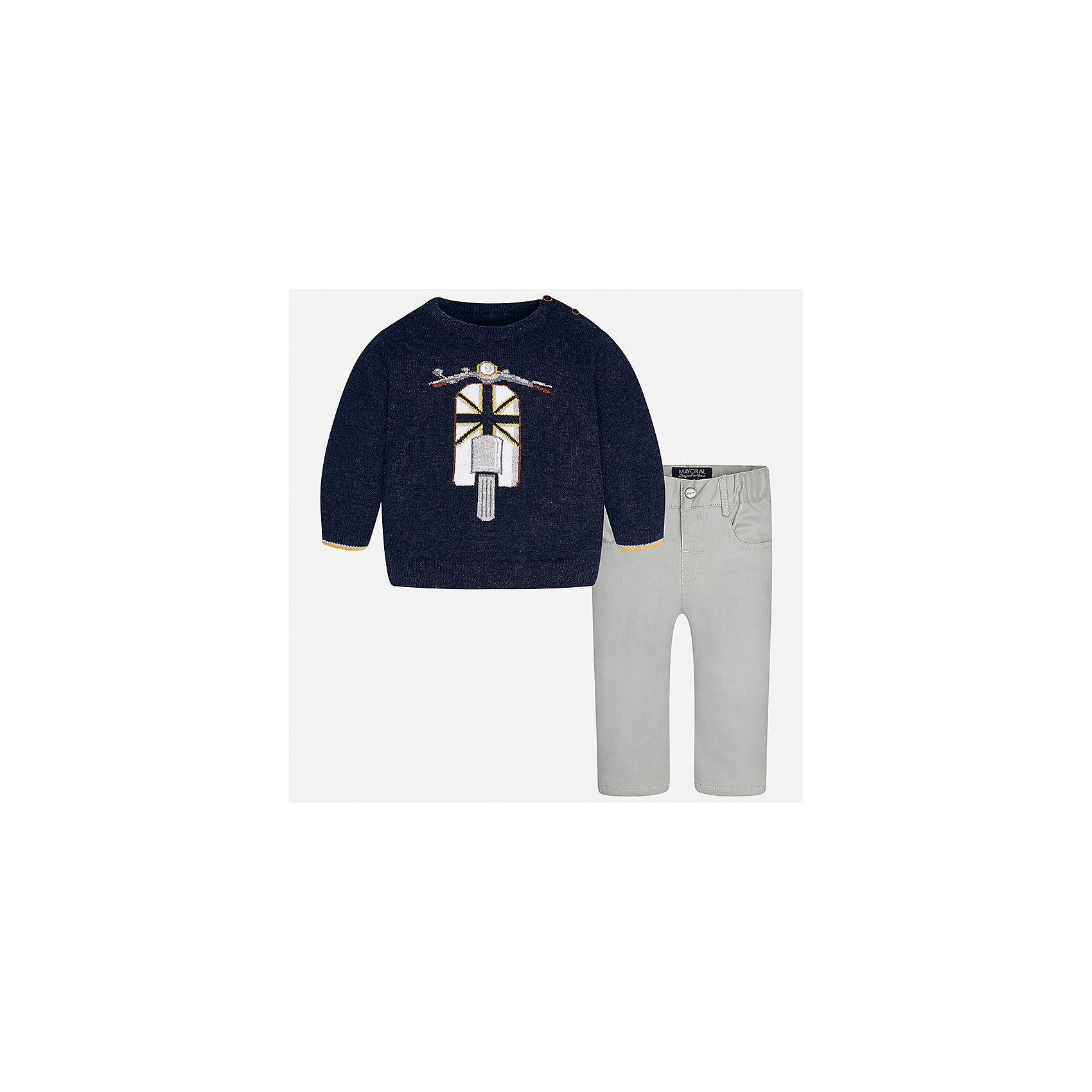 Комплект: свитер и брюки для мальчика MayoralБлузки и рубашки<br>Характеристики товара:<br><br>• цвет: синий/серый<br>• состав ткани: свитер - 60% хлопок, 30% полиамид, 10% шерсть, брюки - 100% хлопок,<br>• комплектация: свитер и брюки<br>• сезон: демисезон<br>• особенности модели: вязаный рисунок<br>• шлевки<br>• регулируемая талия<br>• застежка брюк: пуговица<br>• страна бренда: Испания<br>• страна изготовитель: Индия<br><br>Детский комплект из свитера и брюк сделан из плотного приятного на ощупь материала. Благодаря продуманному крою детского свитера создаются комфортные условия для тела. Брюки для мальчика отличаются классическим дизайном.<br><br>Комплект: свитер и брюки для мальчика Mayoral (Майорал) можно купить в нашем интернет-магазине.<br><br>Ширина мм: 215<br>Глубина мм: 88<br>Высота мм: 191<br>Вес г: 336<br>Цвет: сине-серый<br>Возраст от месяцев: 6<br>Возраст до месяцев: 9<br>Пол: Мужской<br>Возраст: Детский<br>Размер: 74,98,80,86,92<br>SKU: 6935391