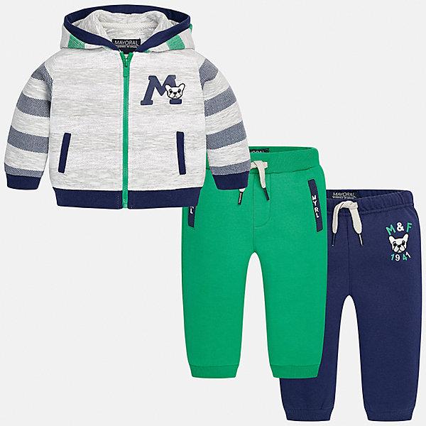 Спортивный костюм для мальчика MayoralКомплекты<br>Характеристики товара:<br><br>• цвет: зеленый/синий/серый<br>• состав ткани: 60% хлопок, 40% полиэстер<br>• комплектация: куртка, 2 брюк<br>• сезон: демисезон<br>• особенности модели: спортивный стиль<br>• застежка: молния<br>• длинные рукава<br>• пояс брюк: резинка, шнурок<br>• страна бренда: Испания<br>• страна изготовитель: Индия<br><br>Симпатичный детский комплект из спортивной курточки и двух брюк подойдет для занятий спортом. Отличный способ обеспечить ребенку тепло и комфорт - надеть детский спортивный костюм от Mayoral. Детский спортивный костюм сшит из приятного на ощупь материала. Спортивный костюм для мальчика Mayoral удобно сидит по фигуре.<br><br>Спортивный костюм для мальчика Mayoral (Майорал) можно купить в нашем интернет-магазине.<br><br>Ширина мм: 247<br>Глубина мм: 16<br>Высота мм: 140<br>Вес г: 225<br>Цвет: синий/зеленый<br>Возраст от месяцев: 6<br>Возраст до месяцев: 9<br>Пол: Мужской<br>Возраст: Детский<br>Размер: 74,98,92,86,80<br>SKU: 6935492