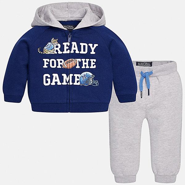 Спортивный костюм для мальчика MayoralКомплекты<br>Характеристики товара:<br><br>• цвет: синий/серый<br>• состав ткани: 60% хлопок, 40% полиэстер<br>• комплектация: куртка, 2 брюк<br>• сезон: демисезон<br>• особенности модели: спортивный стиль<br>• застежка: молния<br>• длинные рукава<br>• пояс брюк: резинка, шнурок<br>• страна бренда: Испания<br>• страна изготовитель: Индия<br><br>Этот спортивный костюм для мальчика сделан из плотного приятного на ощупь материала. Такой детский спортивный комплект состоит из курточки и двух брюк. Благодаря продуманному крою детского спортивного костюма создаются комфортные условия для тела. Спортивный комплект для мальчика отличается стильным продуманным дизайном.<br><br>Спортивный костюм для мальчика Mayoral (Майорал) можно купить в нашем интернет-магазине.<br>Ширина мм: 247; Глубина мм: 16; Высота мм: 140; Вес г: 225; Цвет: сине-серый; Возраст от месяцев: 6; Возраст до месяцев: 9; Пол: Мужской; Возраст: Детский; Размер: 74,98,92,86,80; SKU: 6935516;